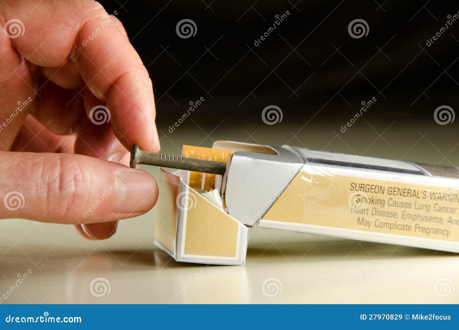 Jede Zigarette Ist Ein Nagel In Ihrem Sarg Stockbild - Bild von ...