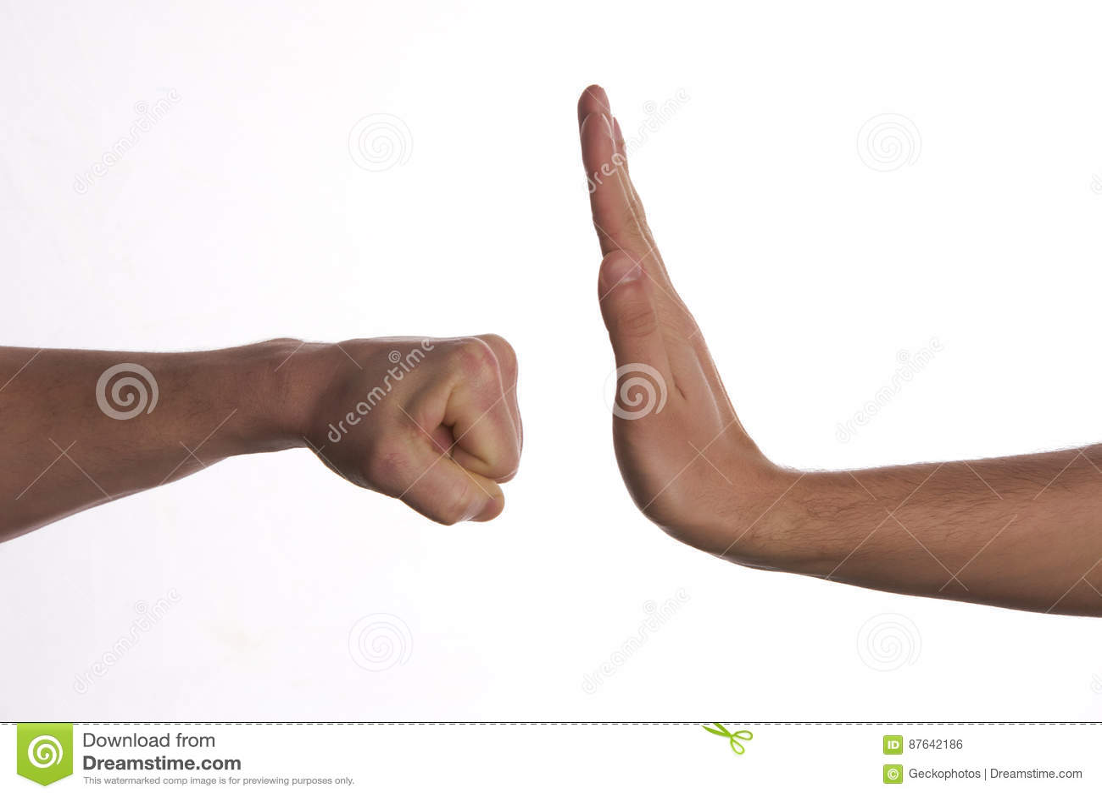 Jeden ręka zapobiega poncza ataka inna ręka