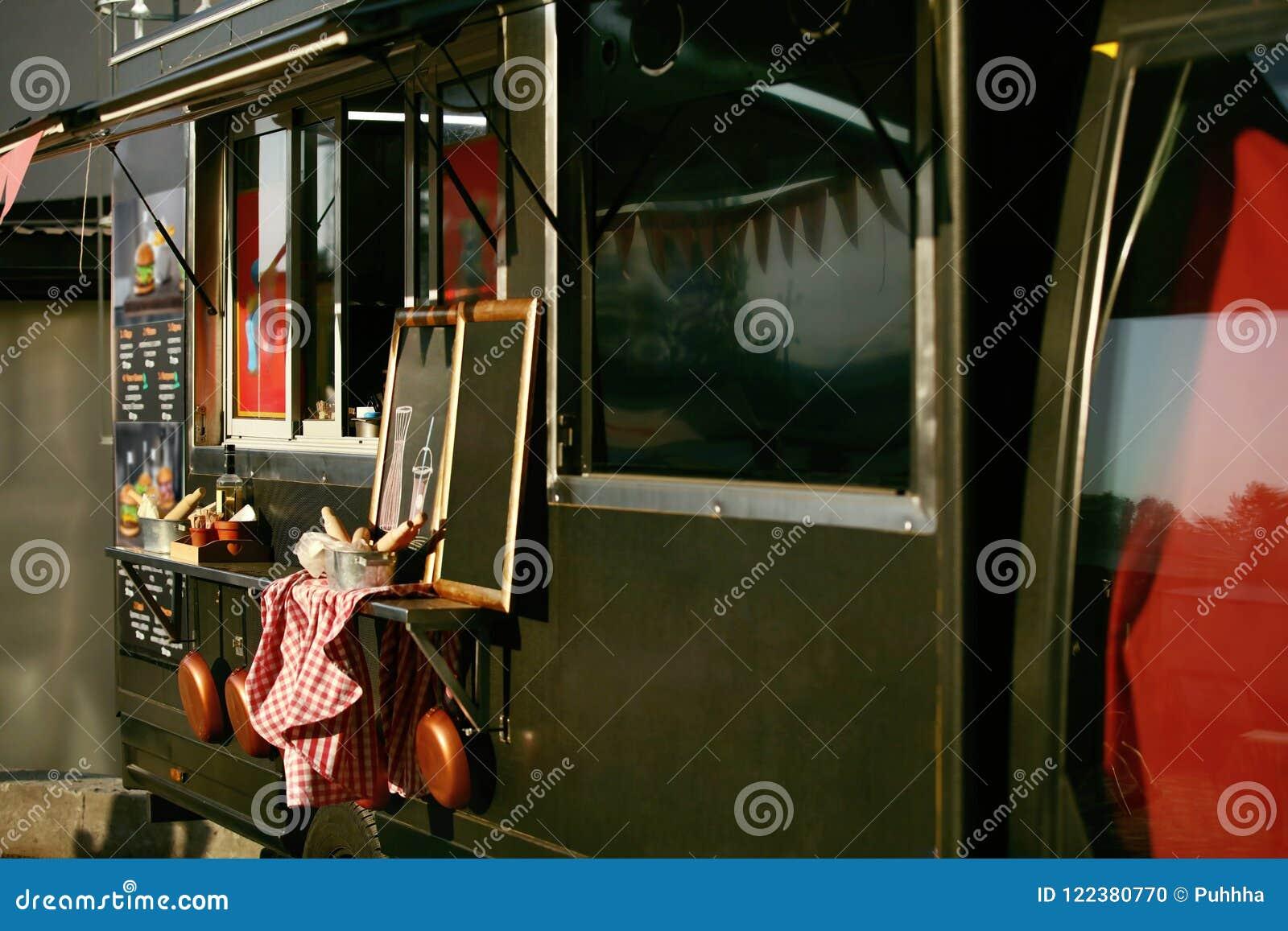 Jedzenie Ciężarowa przyczepa Na ulicie