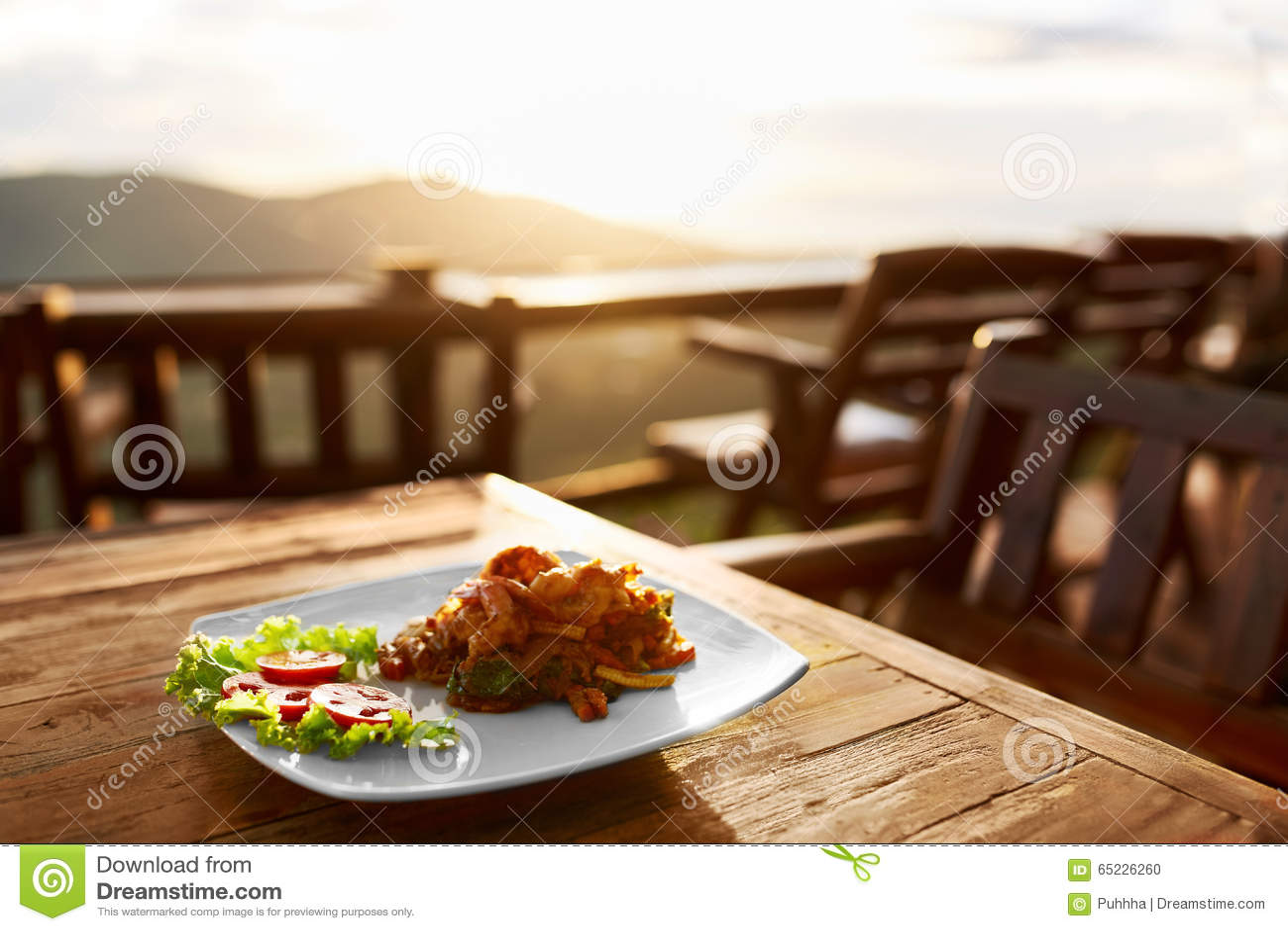 Jedzenie Gość restauracji W Tajlandzkiej restauraci zdrowy posiłek Podróż Thailan