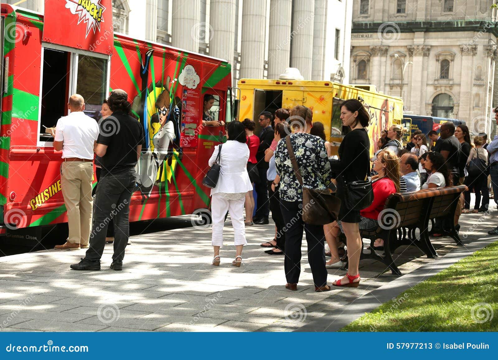 Jedzenie przewozi samochodem w Montreal