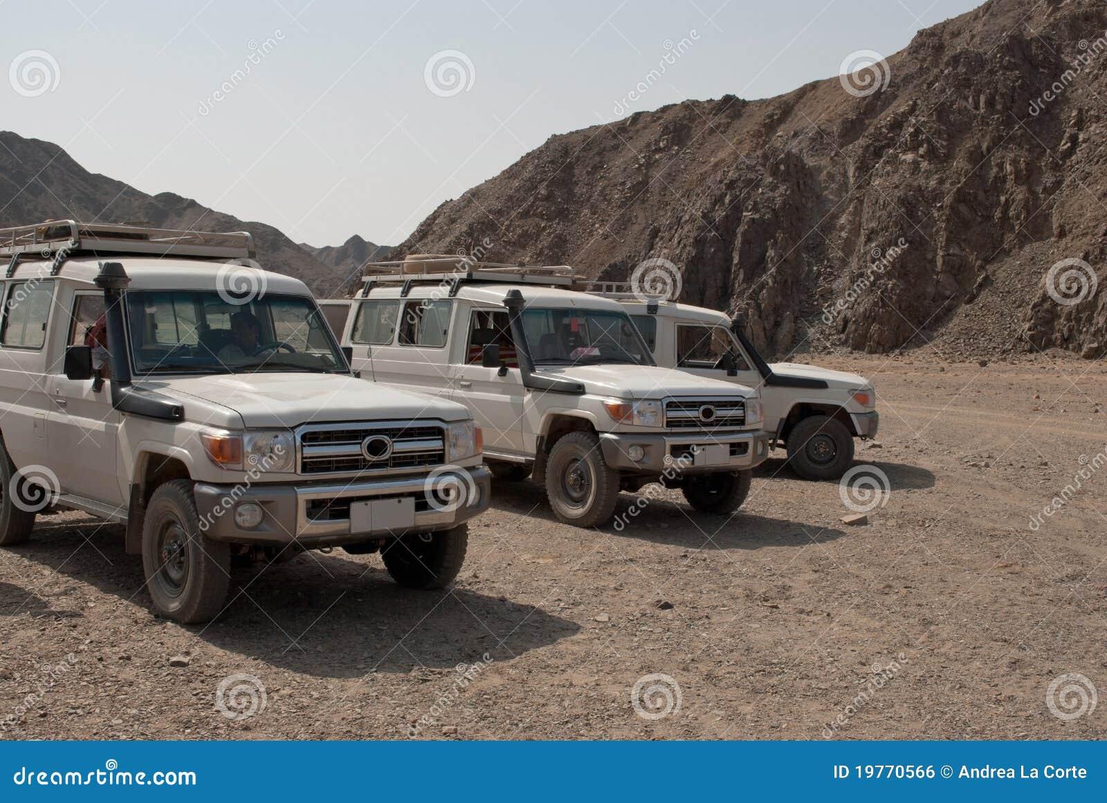Jeep in Egyptische woestijn