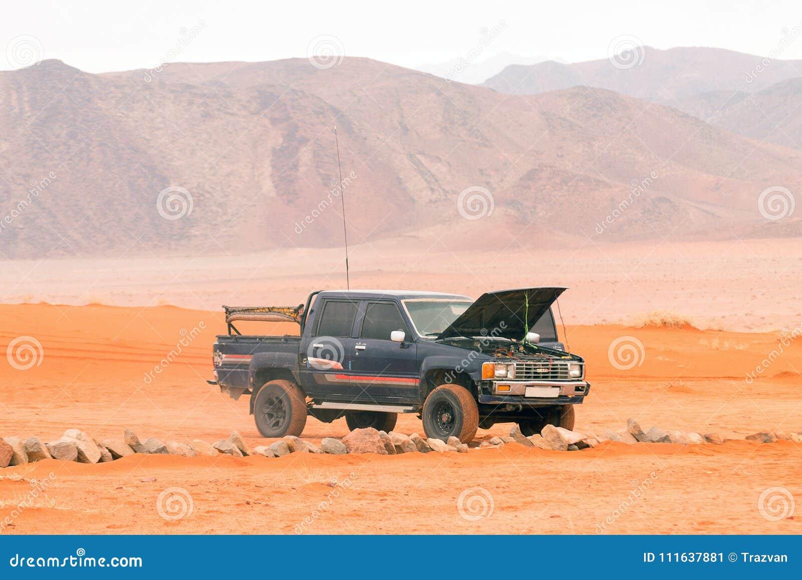 Jeep en désert de Wadi Rum, Jordanie