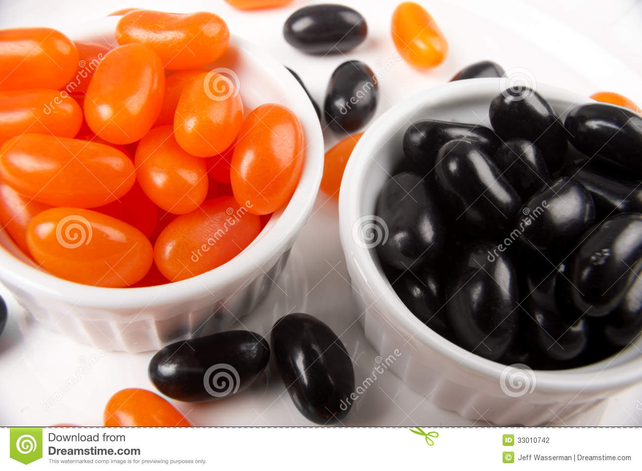 jelly beans for halloween in orange and black stock photography image 33010742. Black Bedroom Furniture Sets. Home Design Ideas