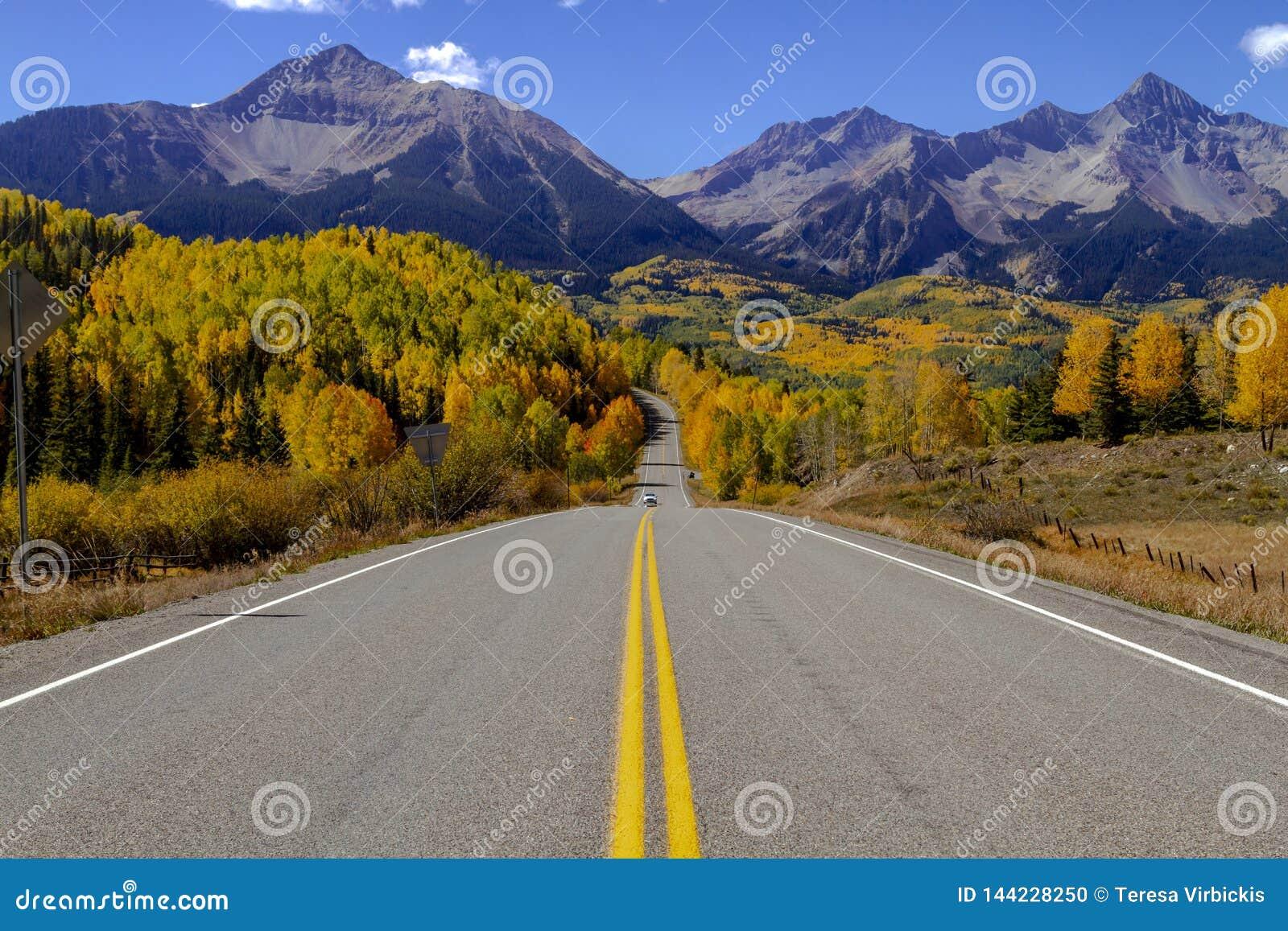Jesień kolor w San Juan i Skaliste Kolorado góry