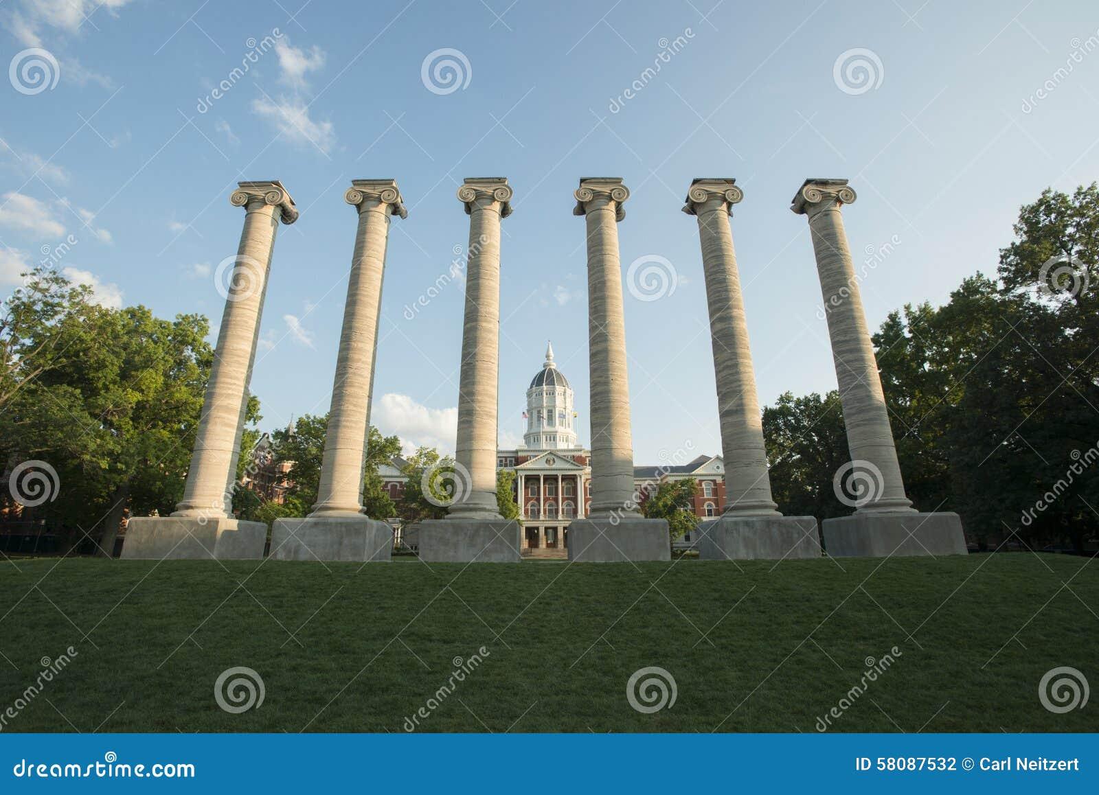 Jesse Hall e colonne