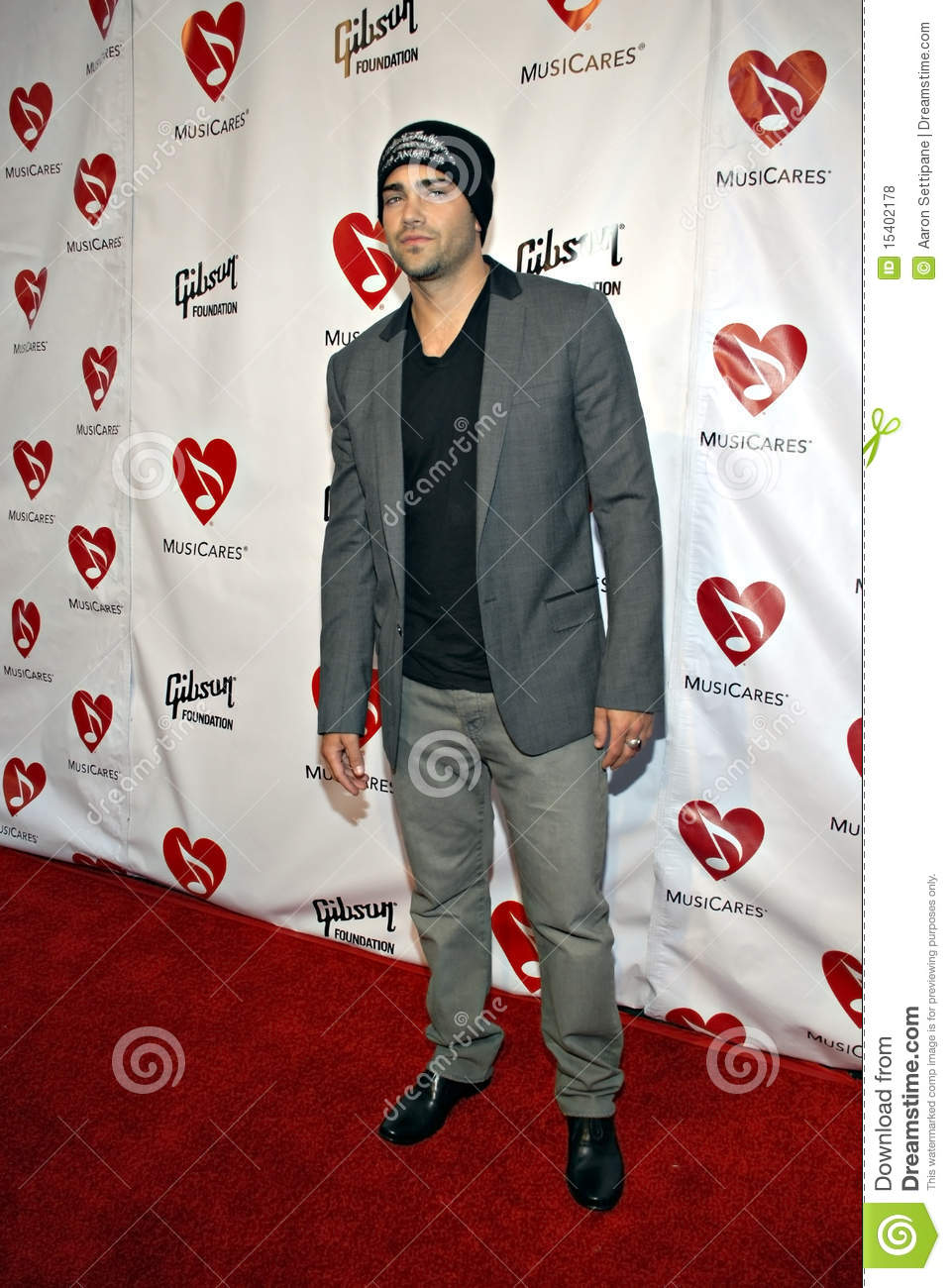 Jesse Metcalfe on the red carpet.