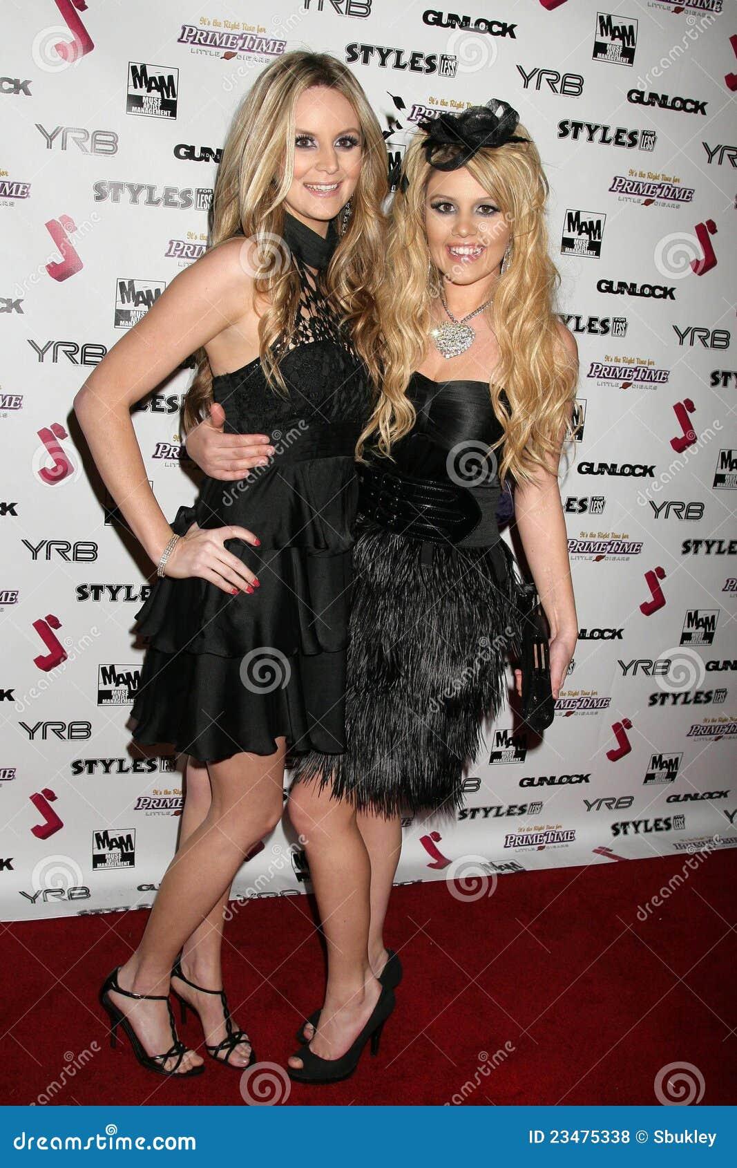 Jessica Kinni en J.Smith bij de Partij van de Première van het Debuut van de Muziek J.Smith Video. Les Deux, Hollywood, CA. 02-25-