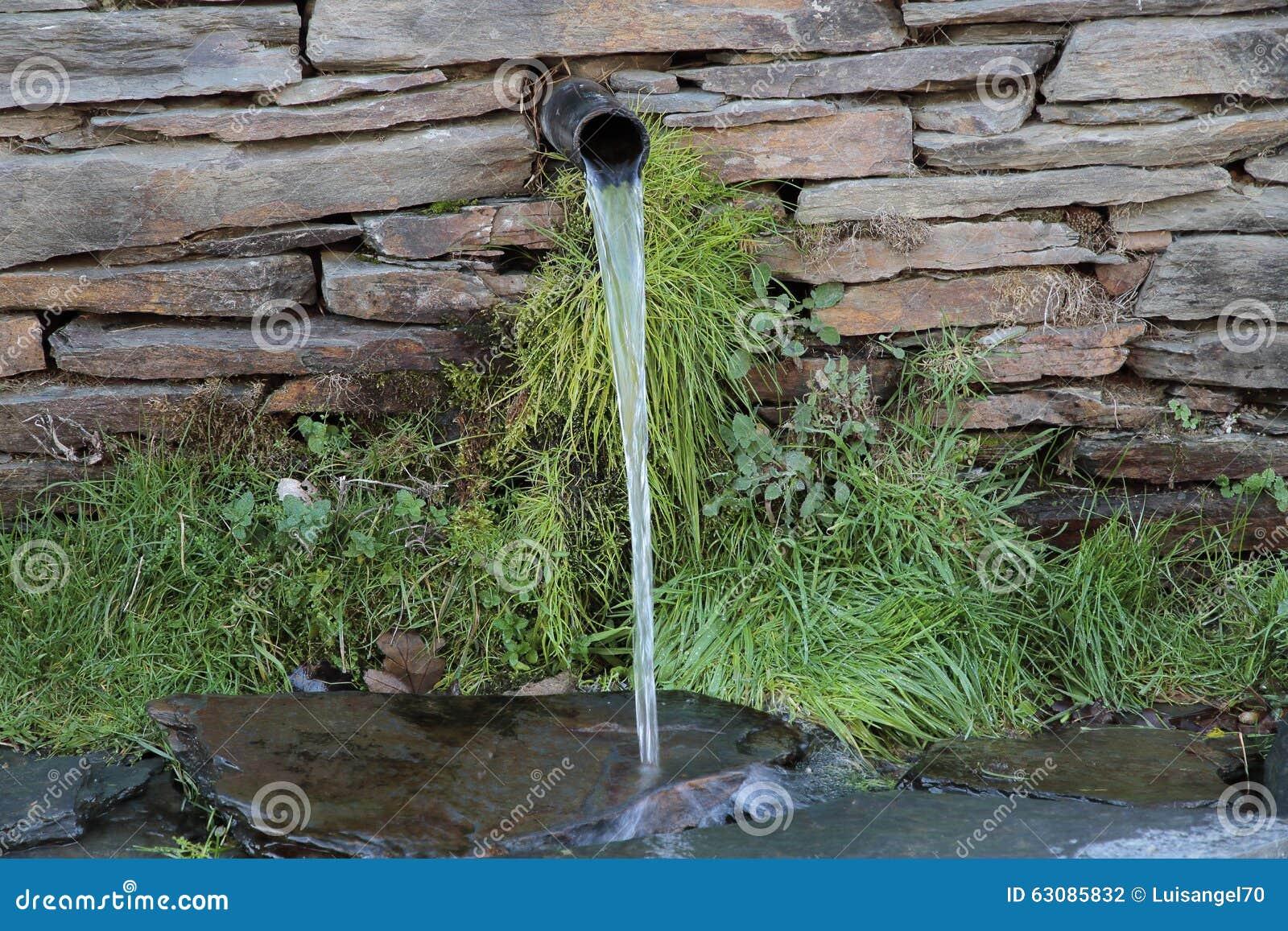 Download Jet d'eau photo stock. Image du sécheresse, architecture - 63085832