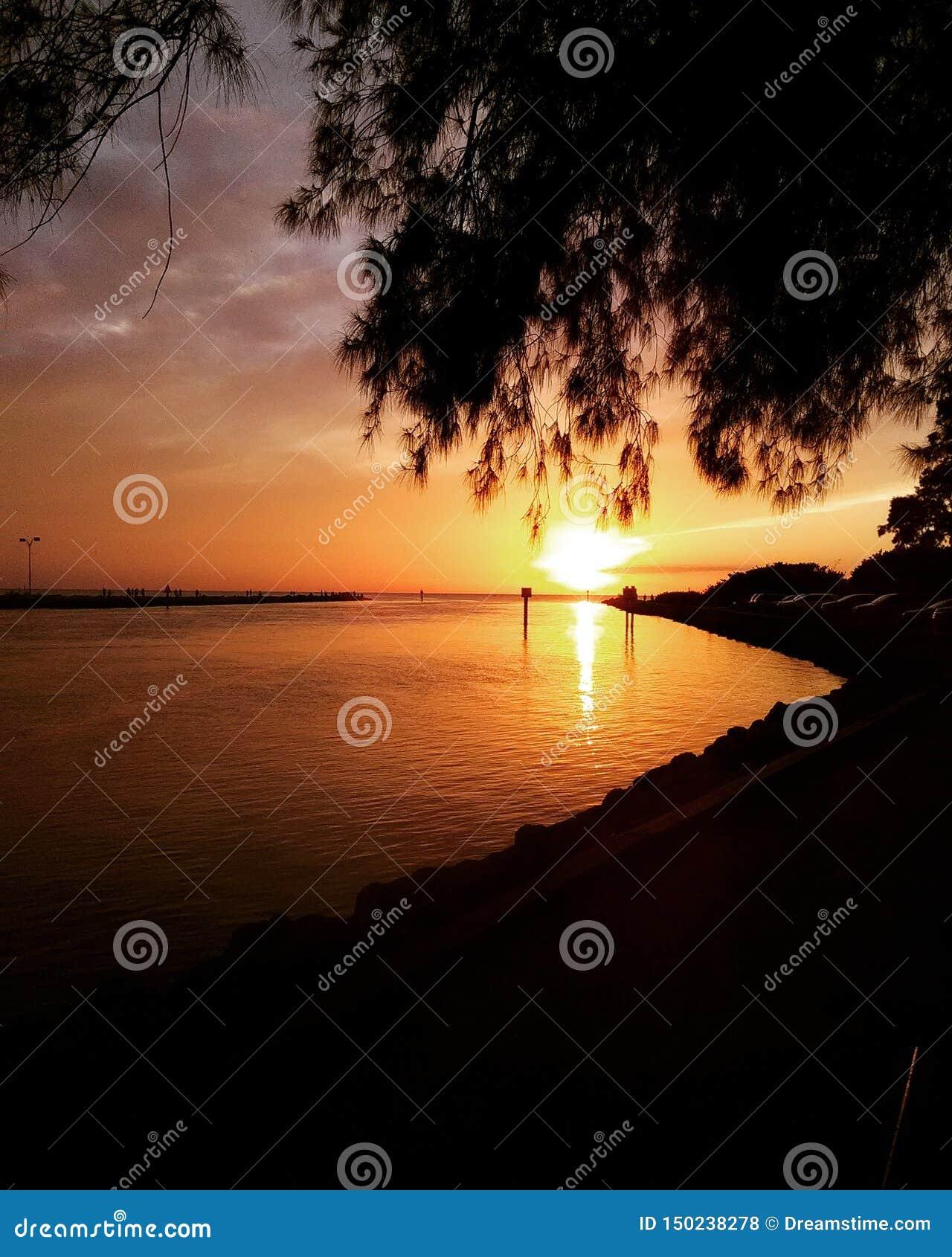 Jet?e de coucher du soleil