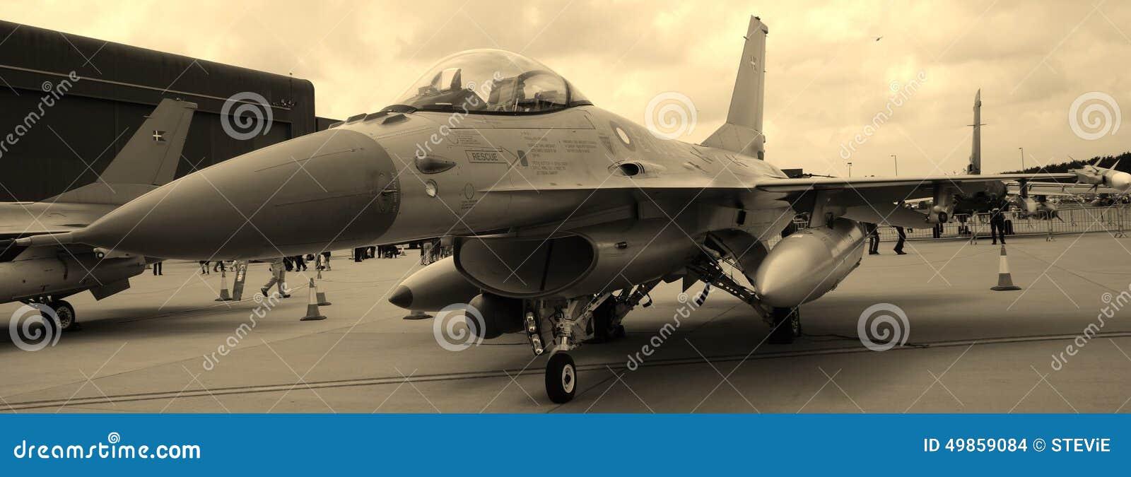 Jet F-16