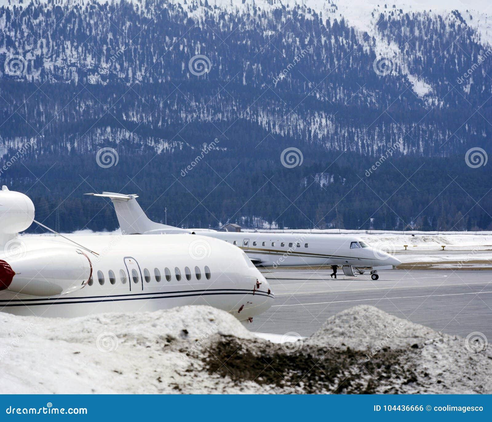 Jet Privato Treviso : Consoli di veneto banca jet privato opere d arte ville da sogno