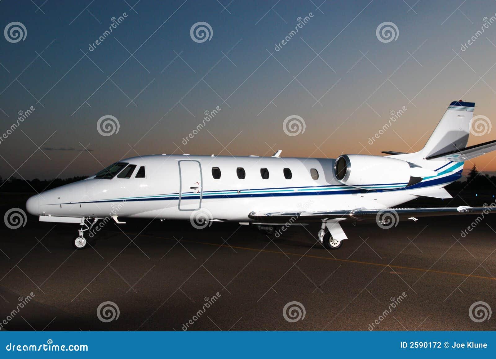 Jet Privato Catania : Jet privato fotografia stock immagine di tarmac
