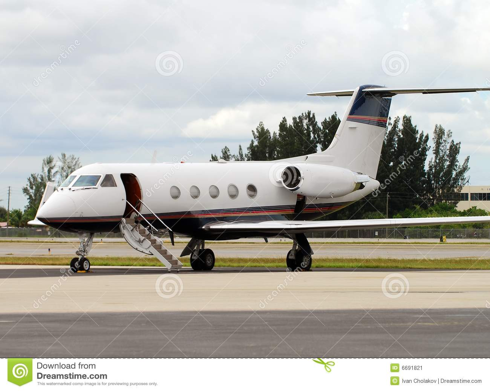 Aereo Privato Lusso : Jet privato immagine stock immagine di lusso luxurious