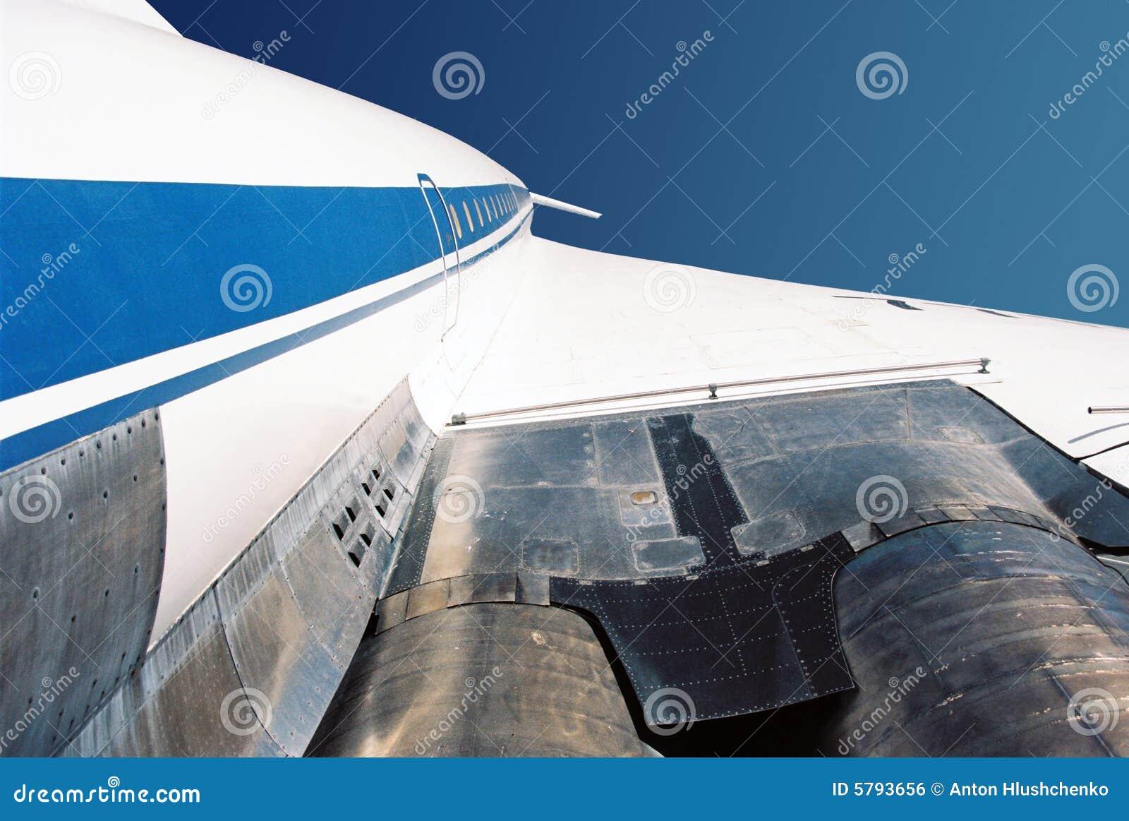 Jet supersonico Tu-144