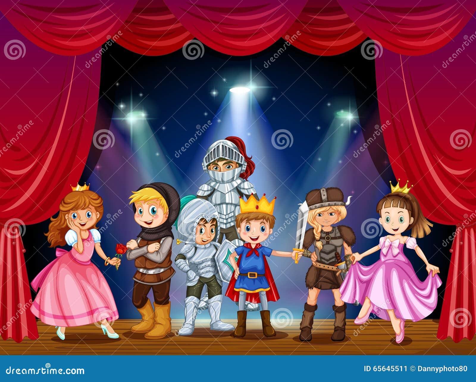 Jeu d étape avec des enfants dans des costumes
