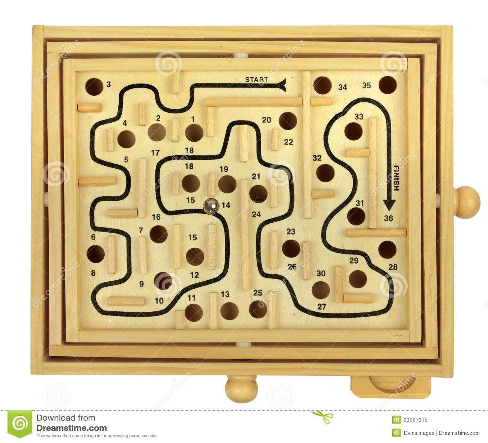 Première vue du jeu en bois de dextérité de labyrinthe disolement