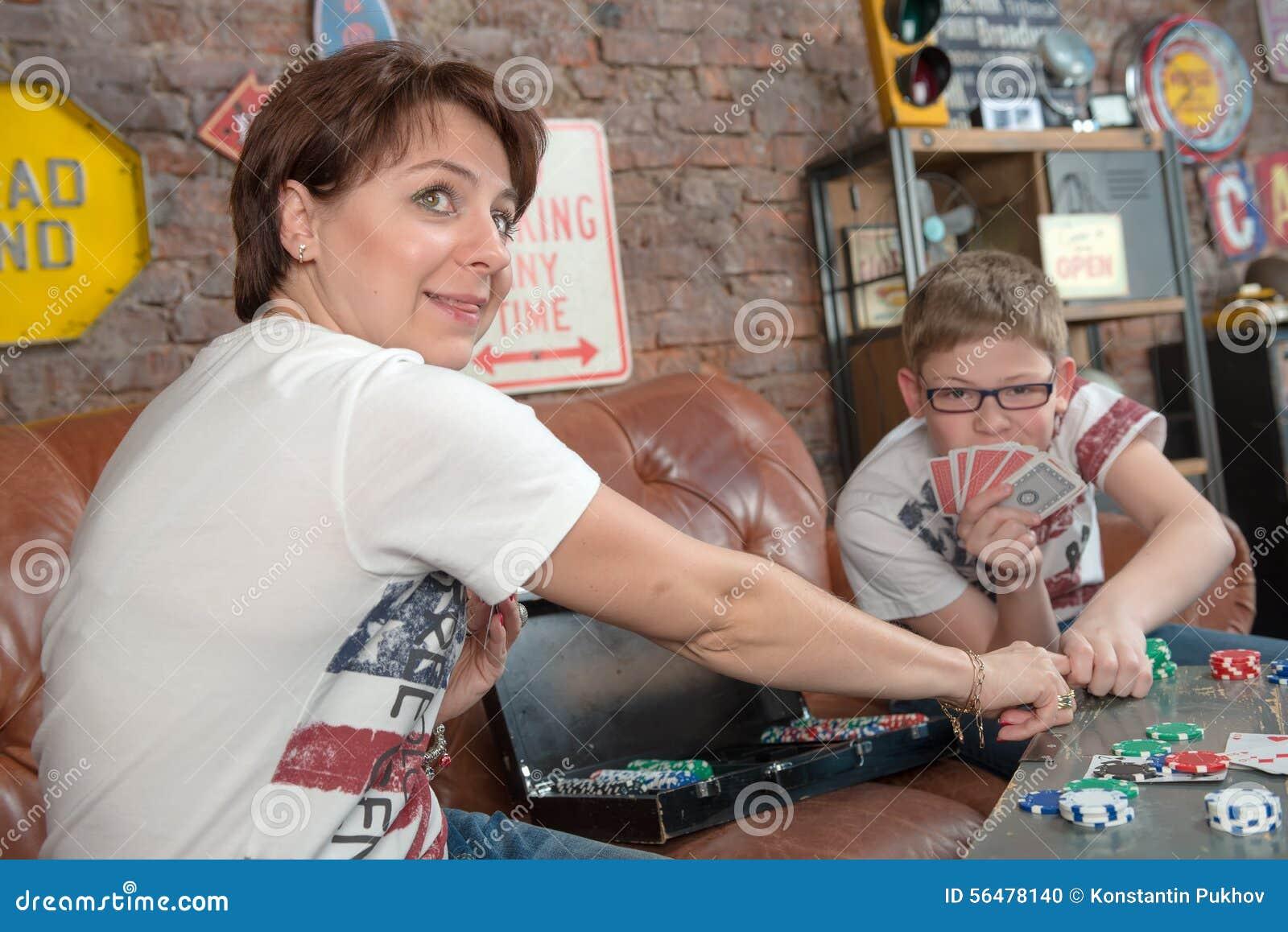Jeu fun avec la maman