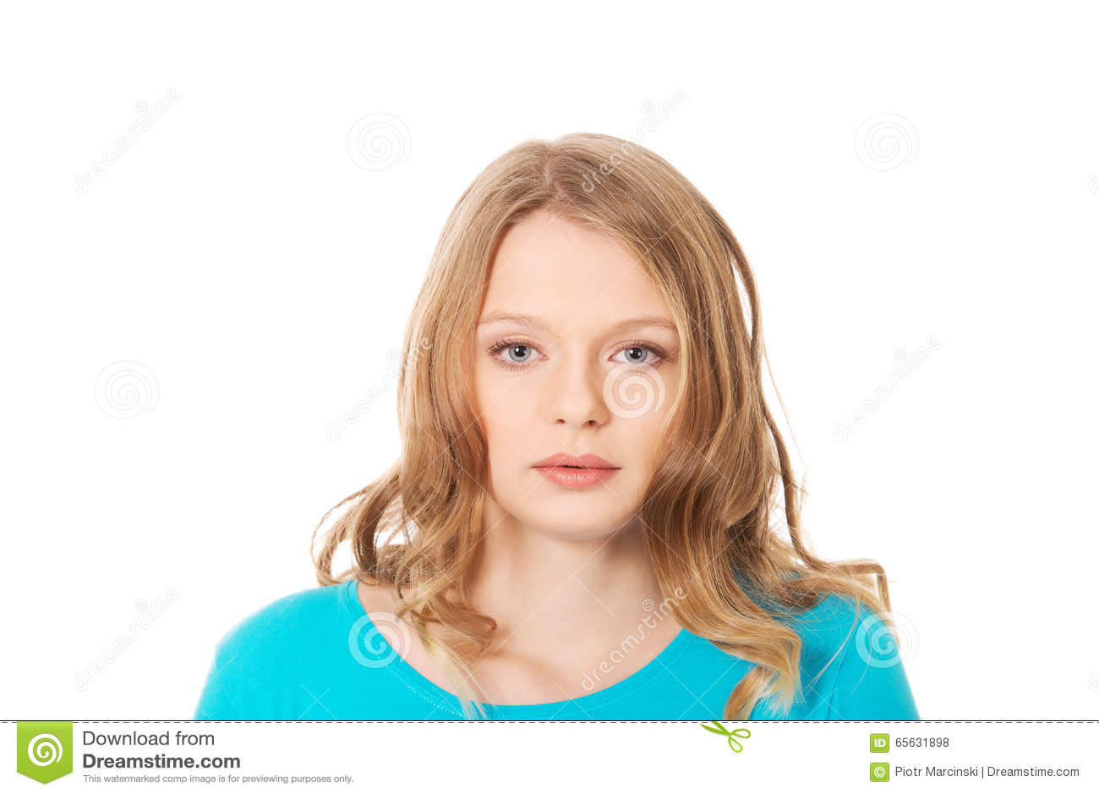 Jeune femme avec le sourire