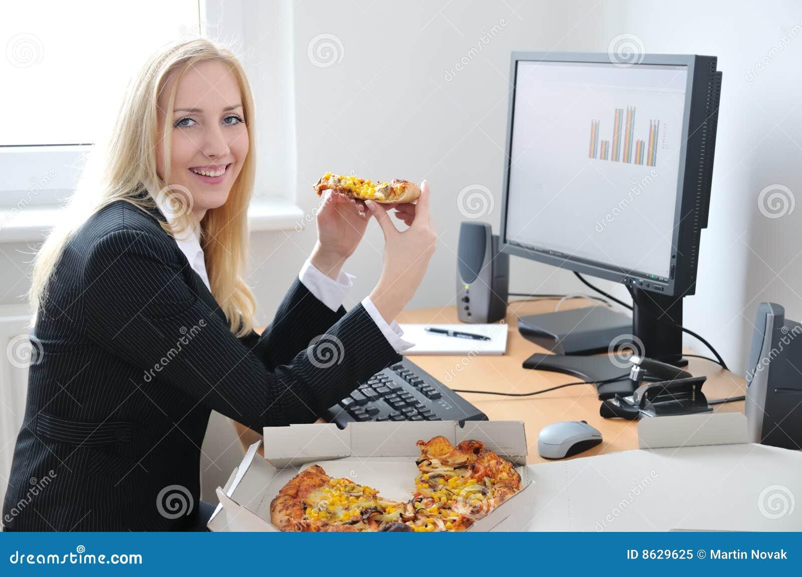 Jeune femme recherche emploi