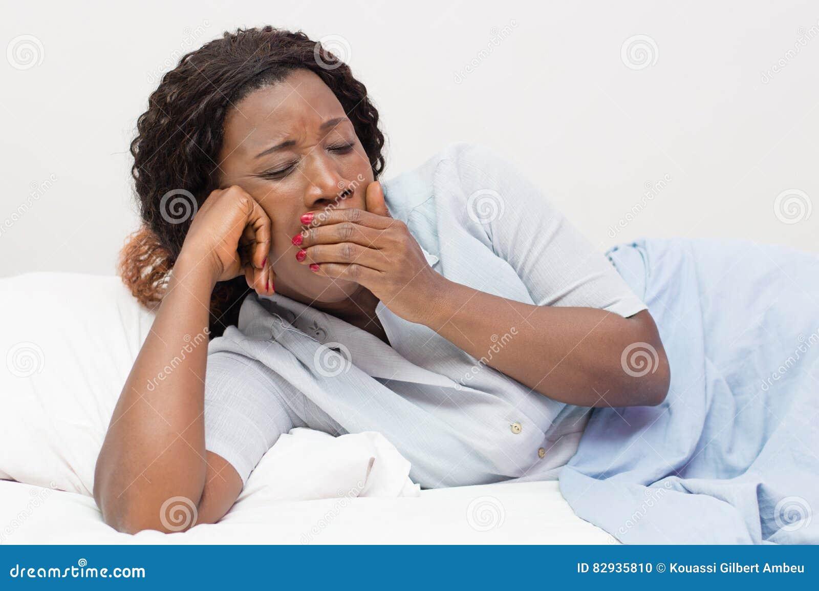 Jeune femme fatiguée