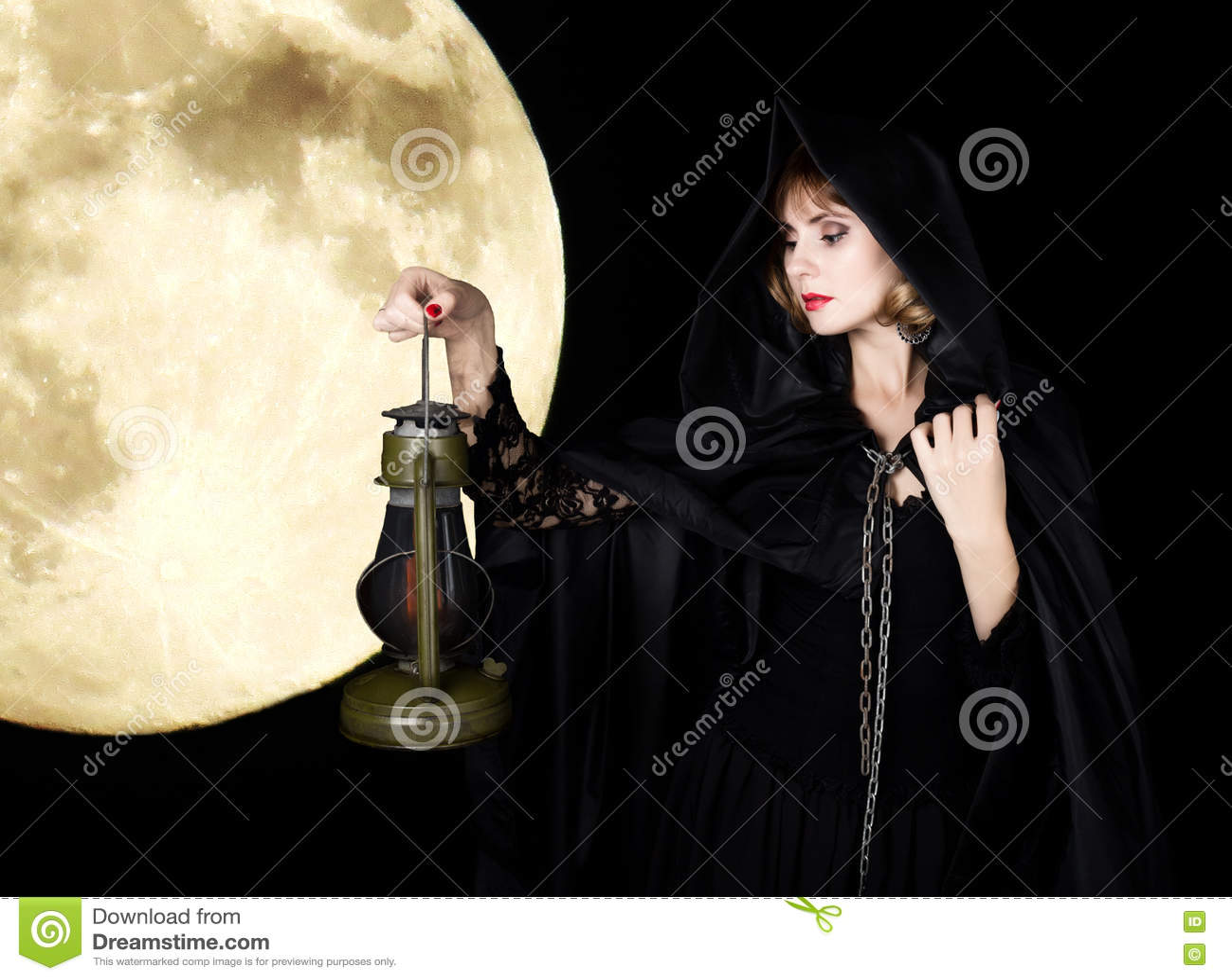 Vieille Jeune Et Corde Lampe 0wkopn Torche Mystérieuse Tenant Femme La hdxrCQts