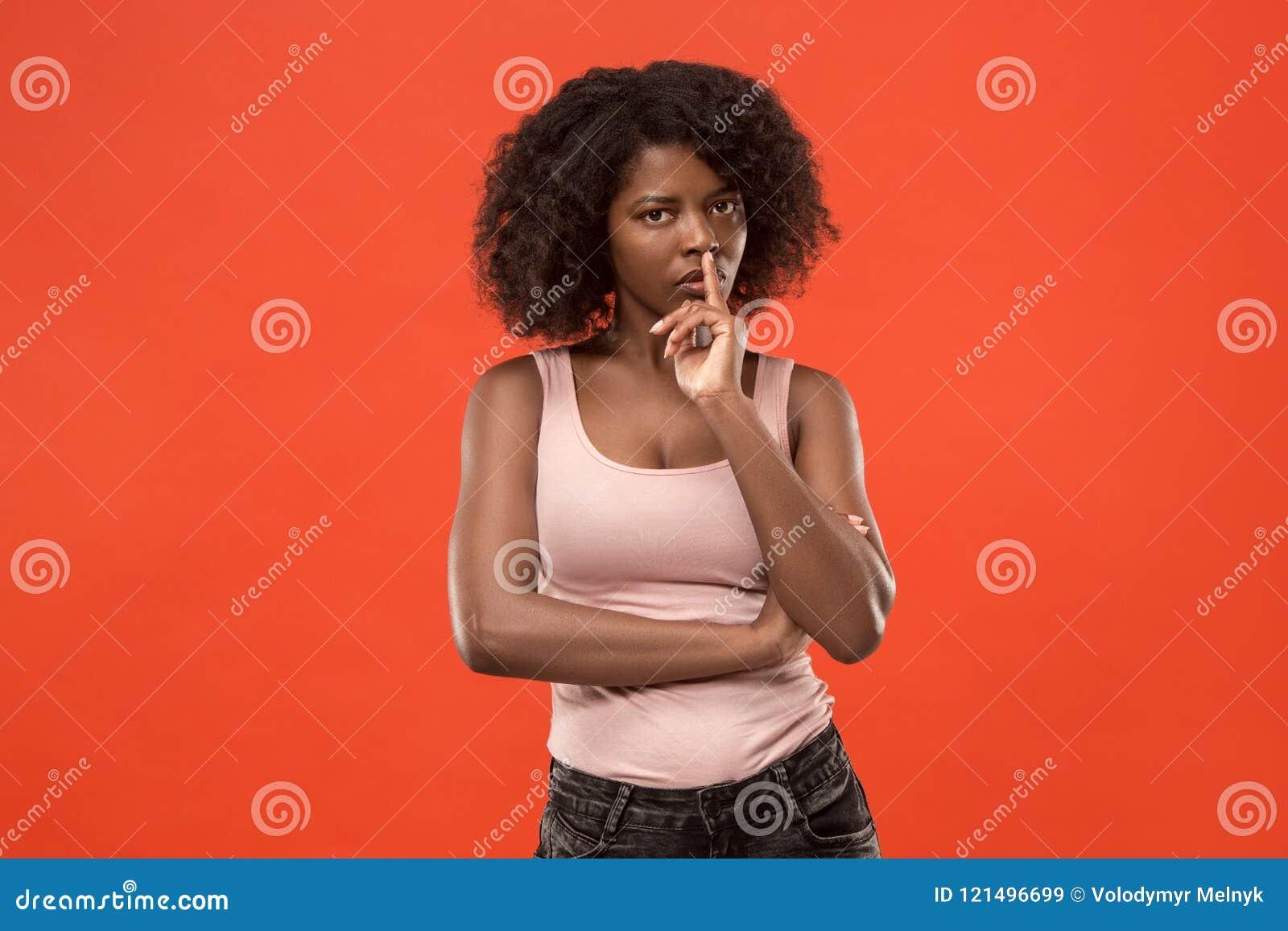 Jeune femme réfléchie sérieuse d affaires Concept de doute