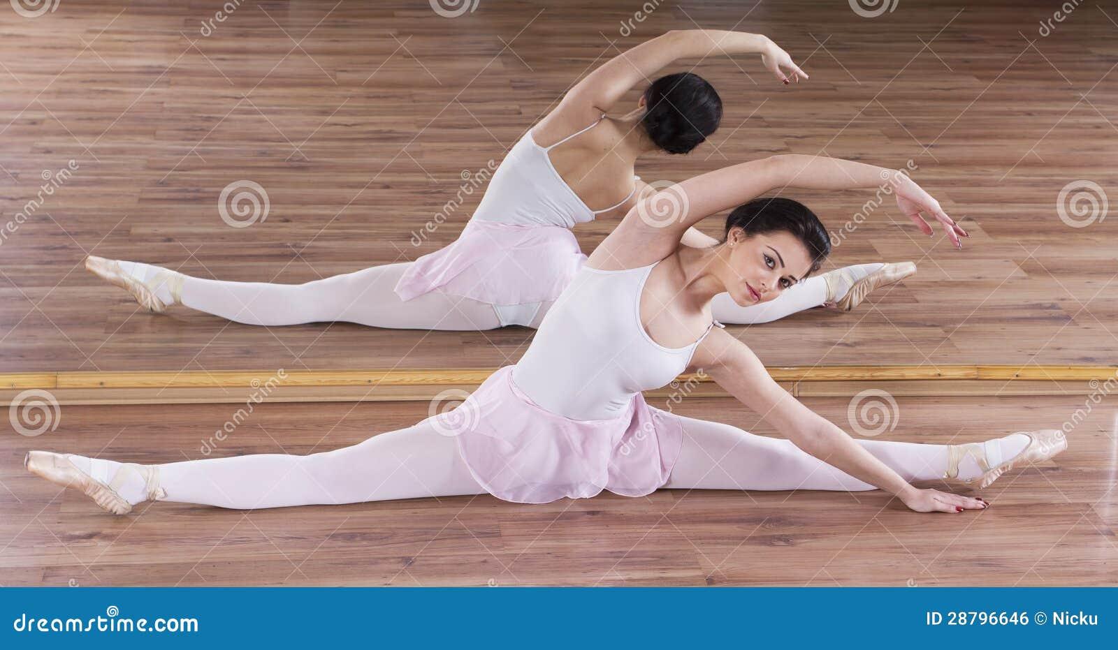Jeune formation de femme de ballerine