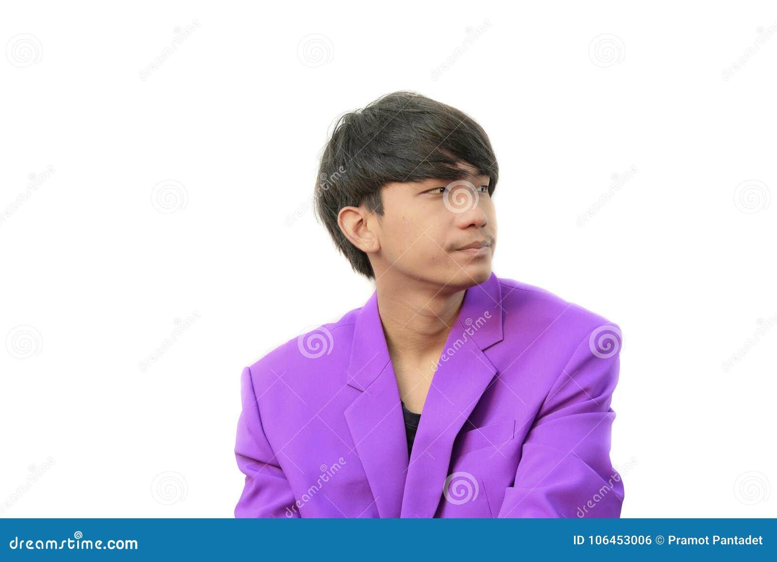Jeune homme d affaires bel de portrait avec des émotions d exposition sur le fond blanc