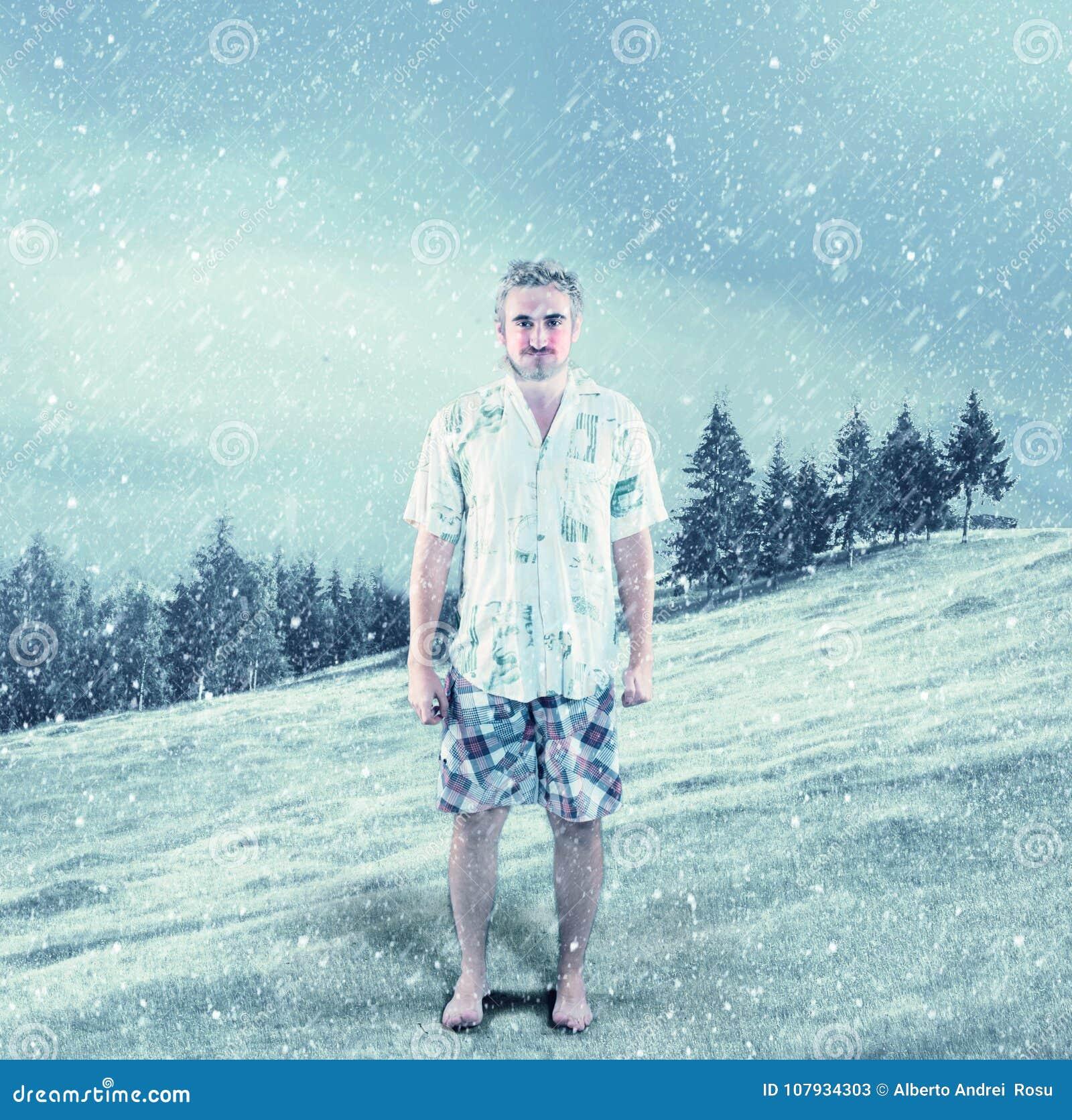 La Image D'été Dans Homme Des Neige Vêtements Jeune Habillé R4jqL5c3A