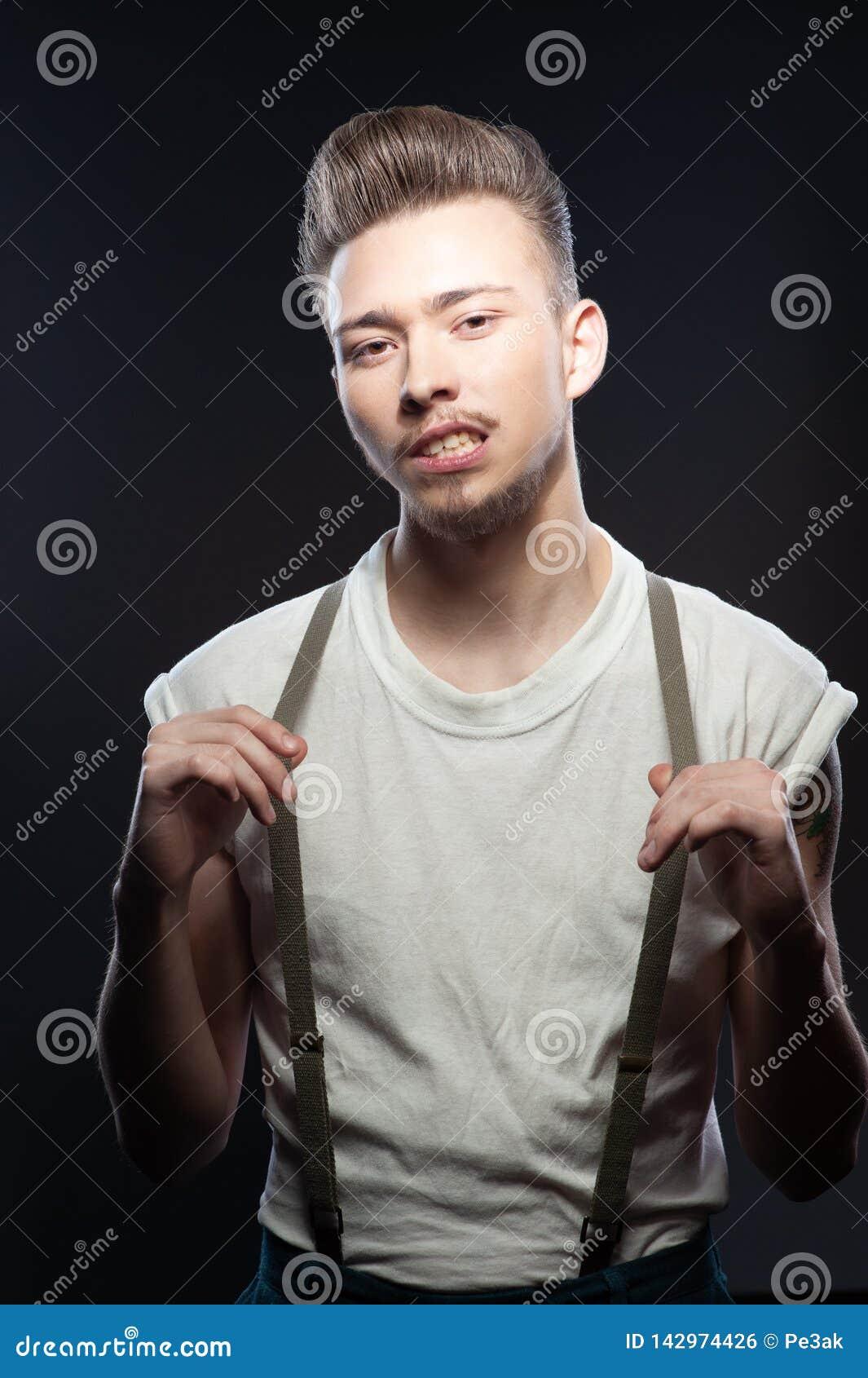 Coiffures pour hommes dans le style de rockabilly
