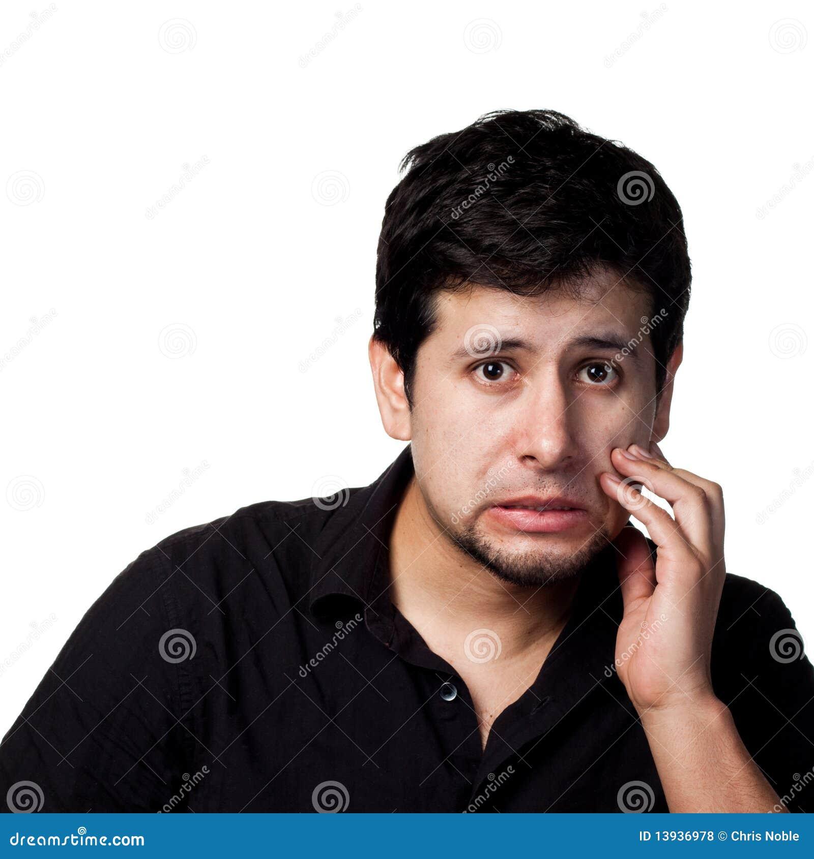 Jeune homme hispanique