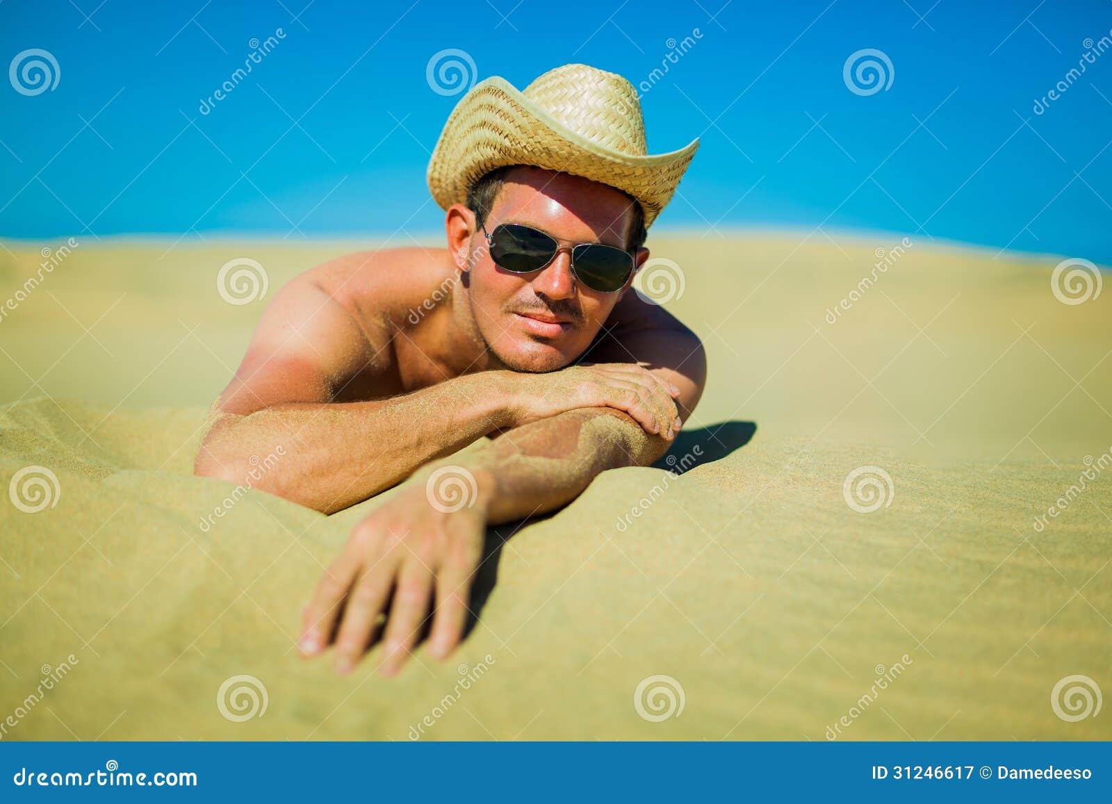 plage erotique sur beach babes - belles filles nues a la plage