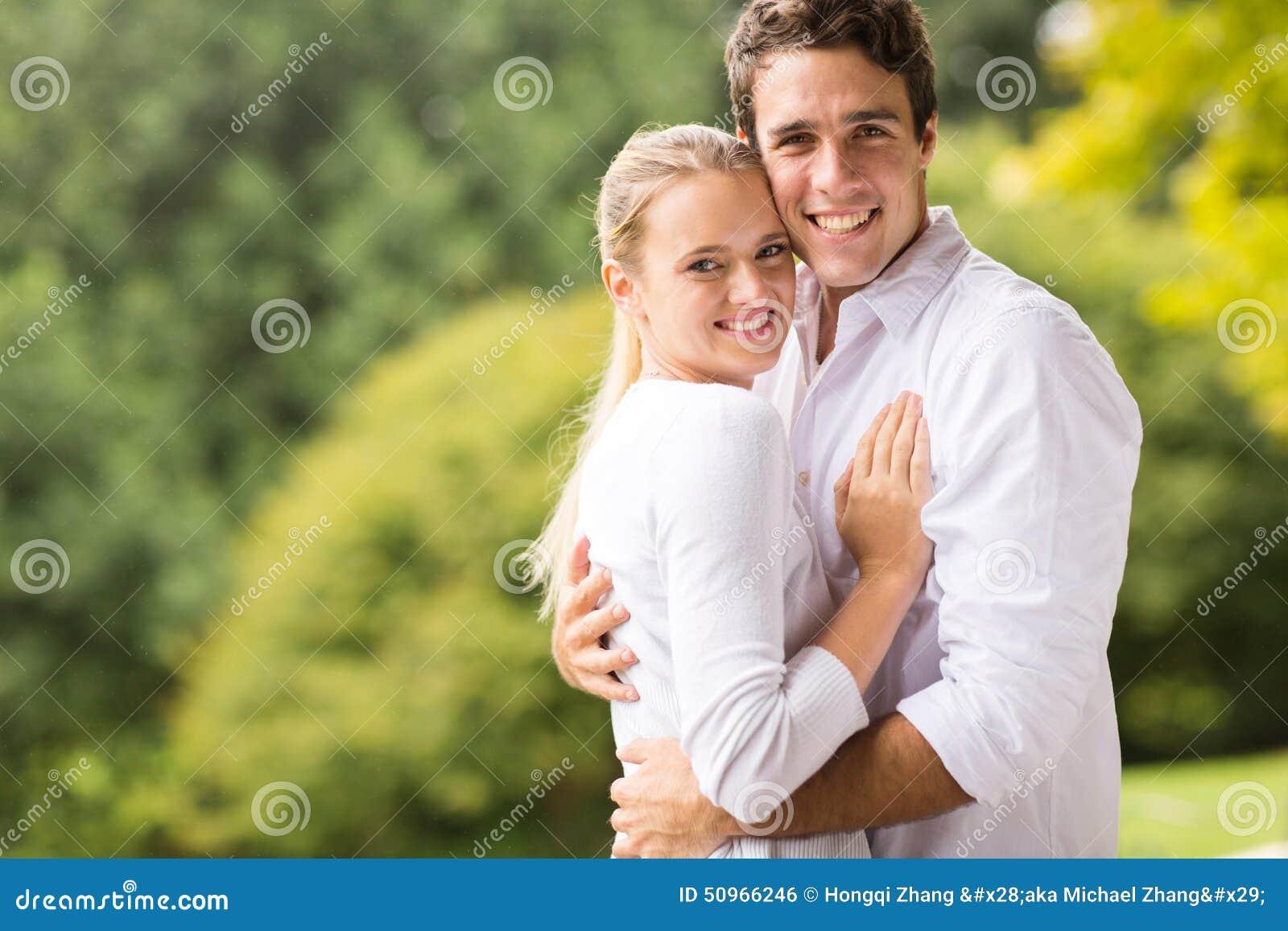 Jeune regard de couples