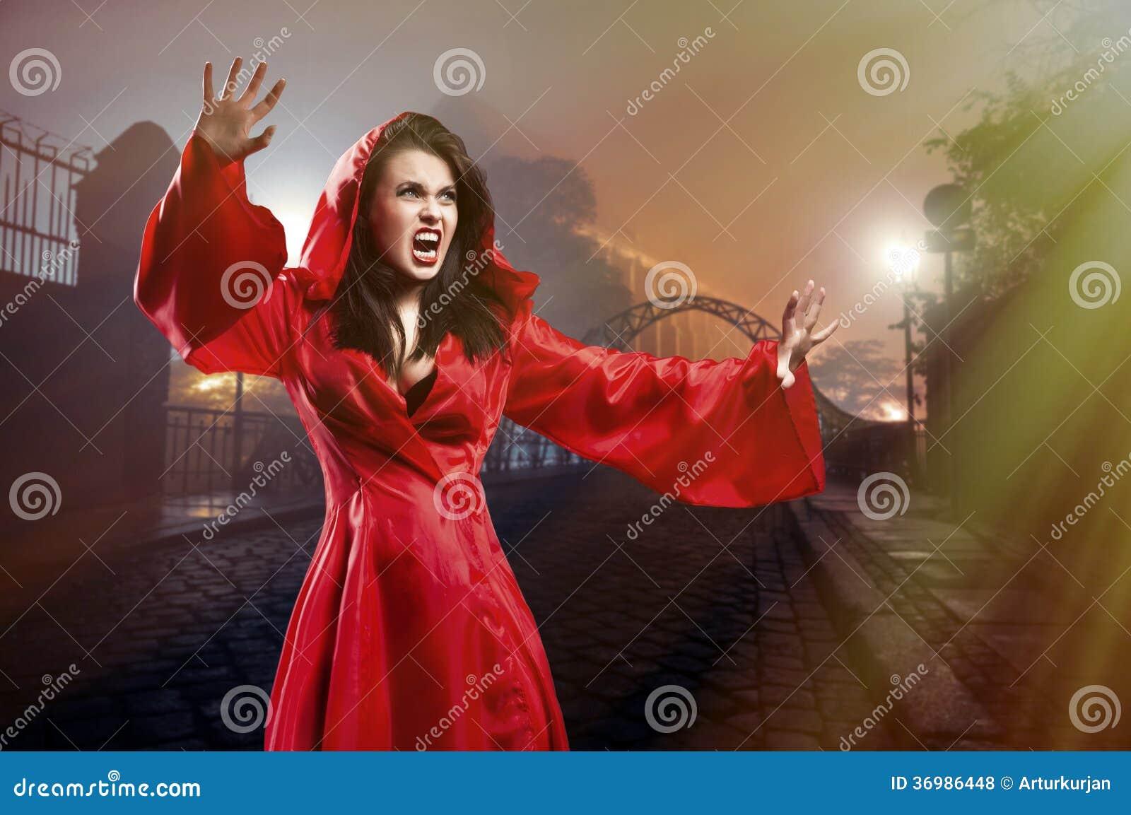 Jeune sorcière élégante