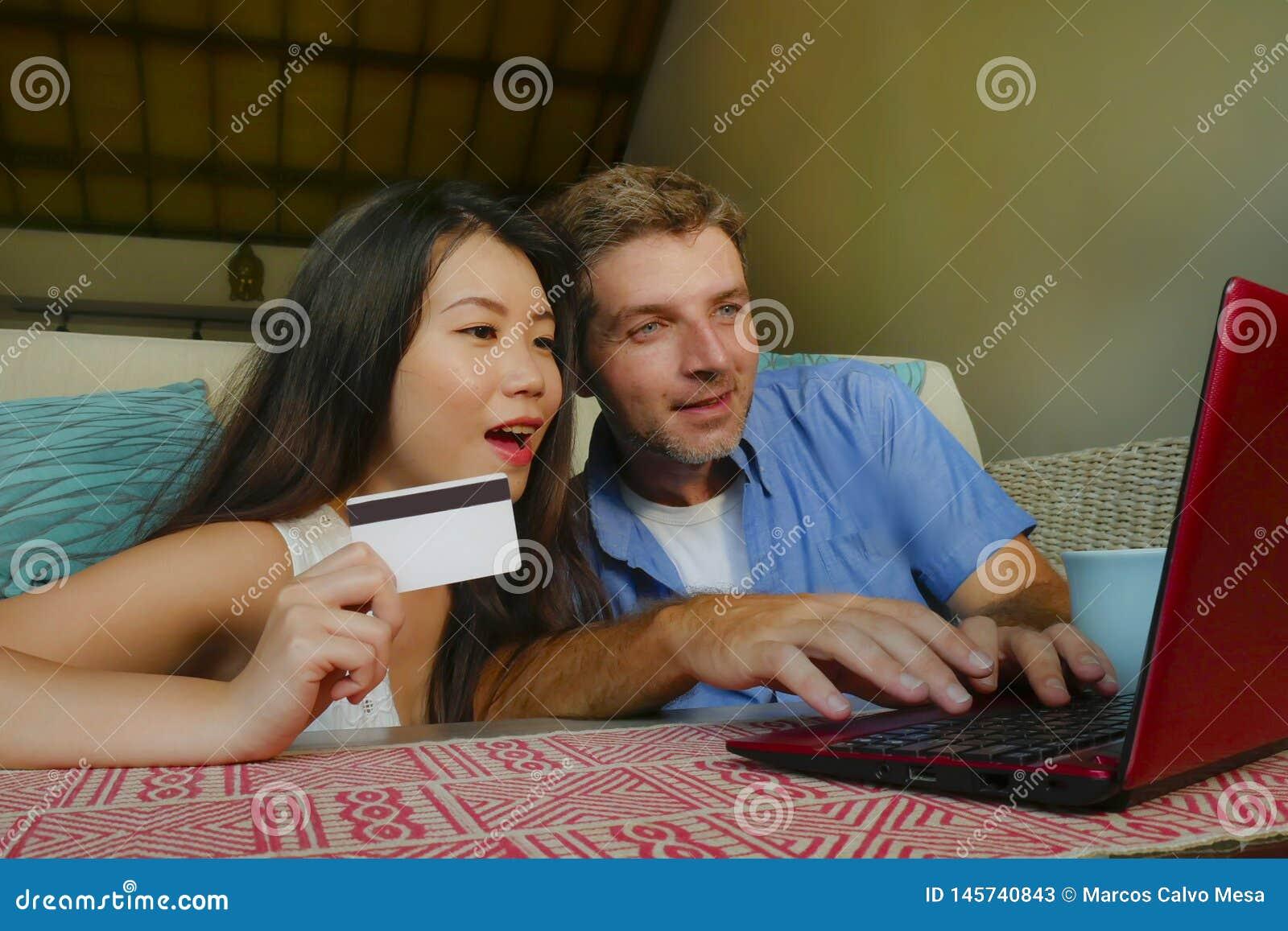 asiatique Guy datant caucasien fille Cougar rencontres sites meilleur