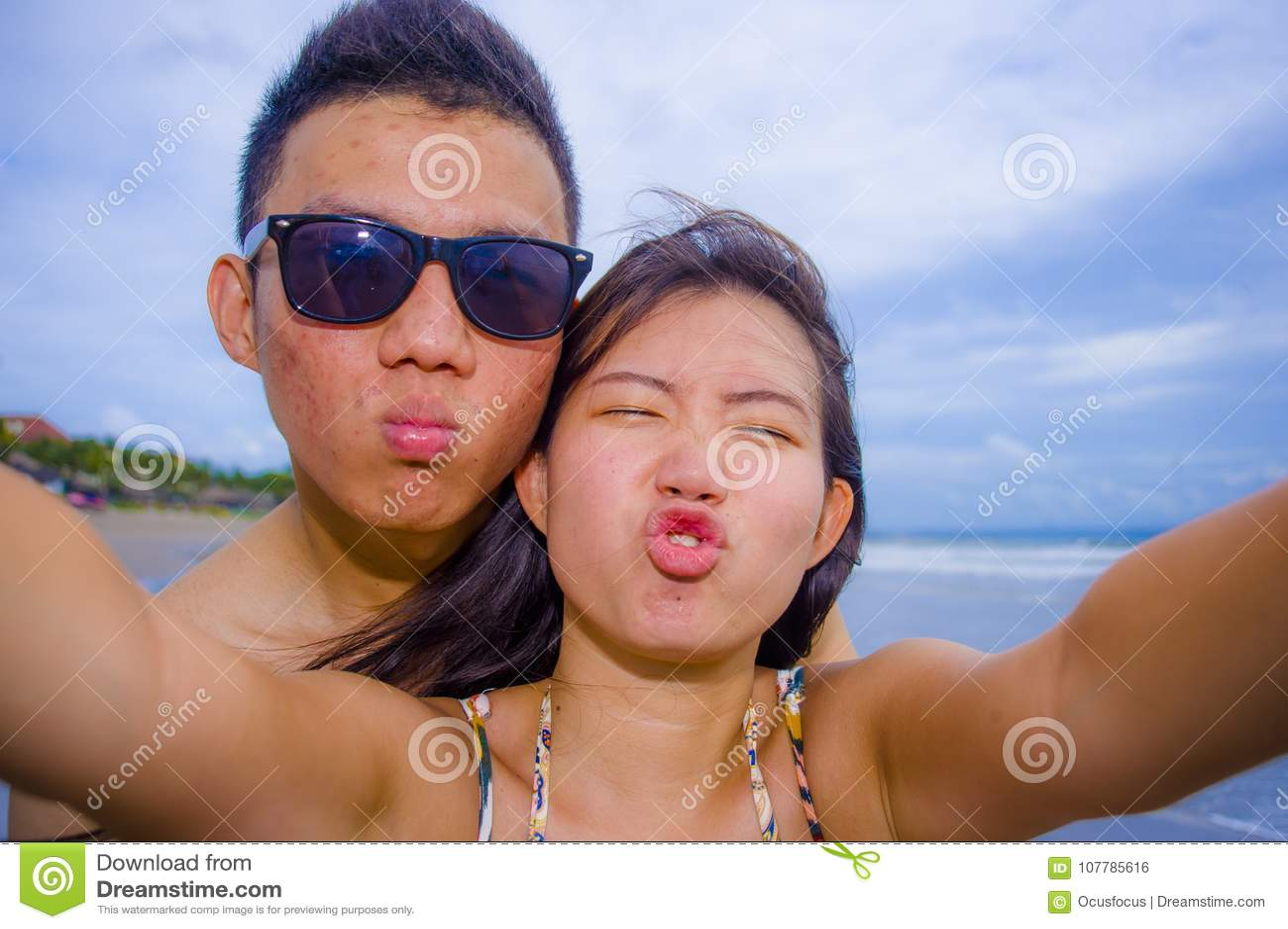 asiatique Guy datant caucasien fille DotA 2 matchmaking solo
