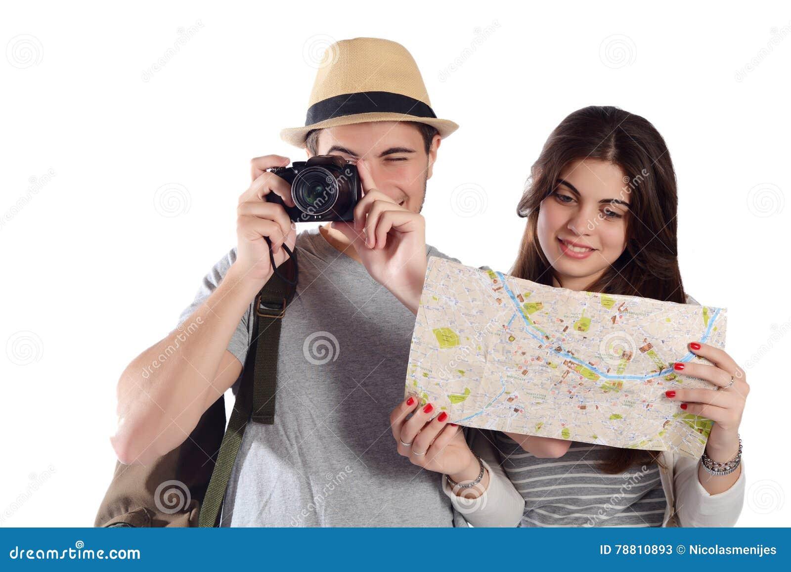 Jeunes couples en voyage