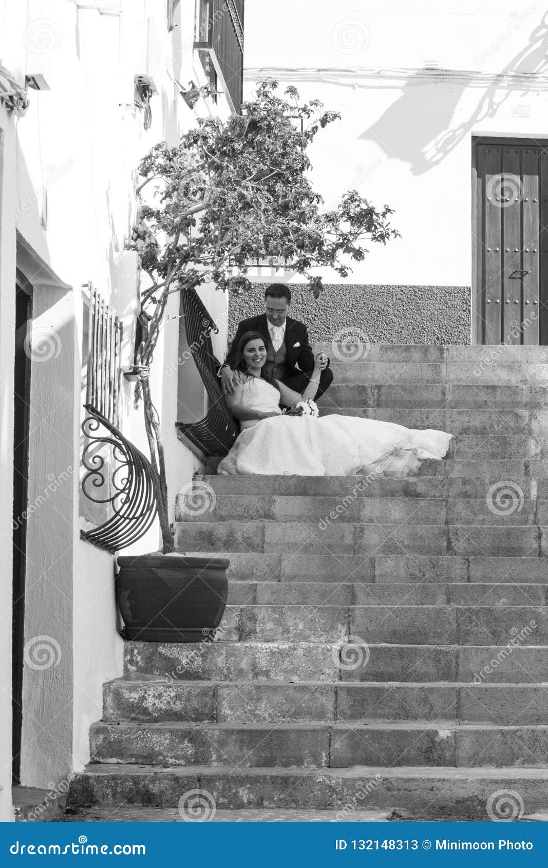 Jeunes couples leur jour du mariage