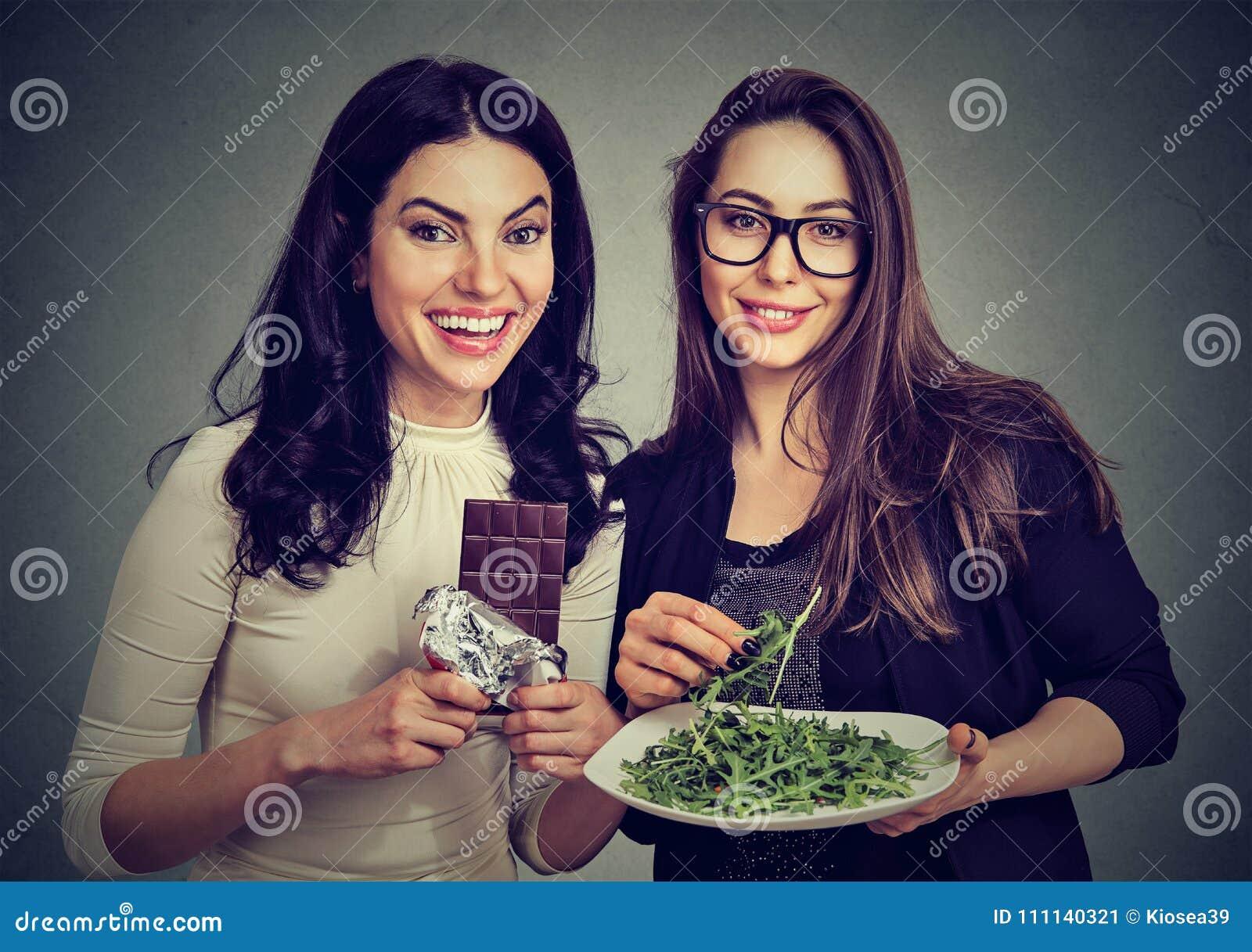 Jeunes femmes ayant différents régimes