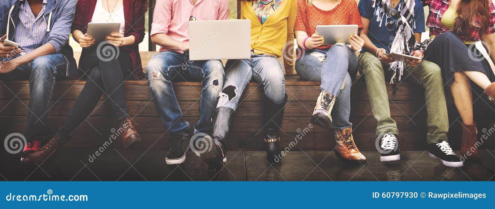 Jeunes Team Together Cheerful Concept d adolescents