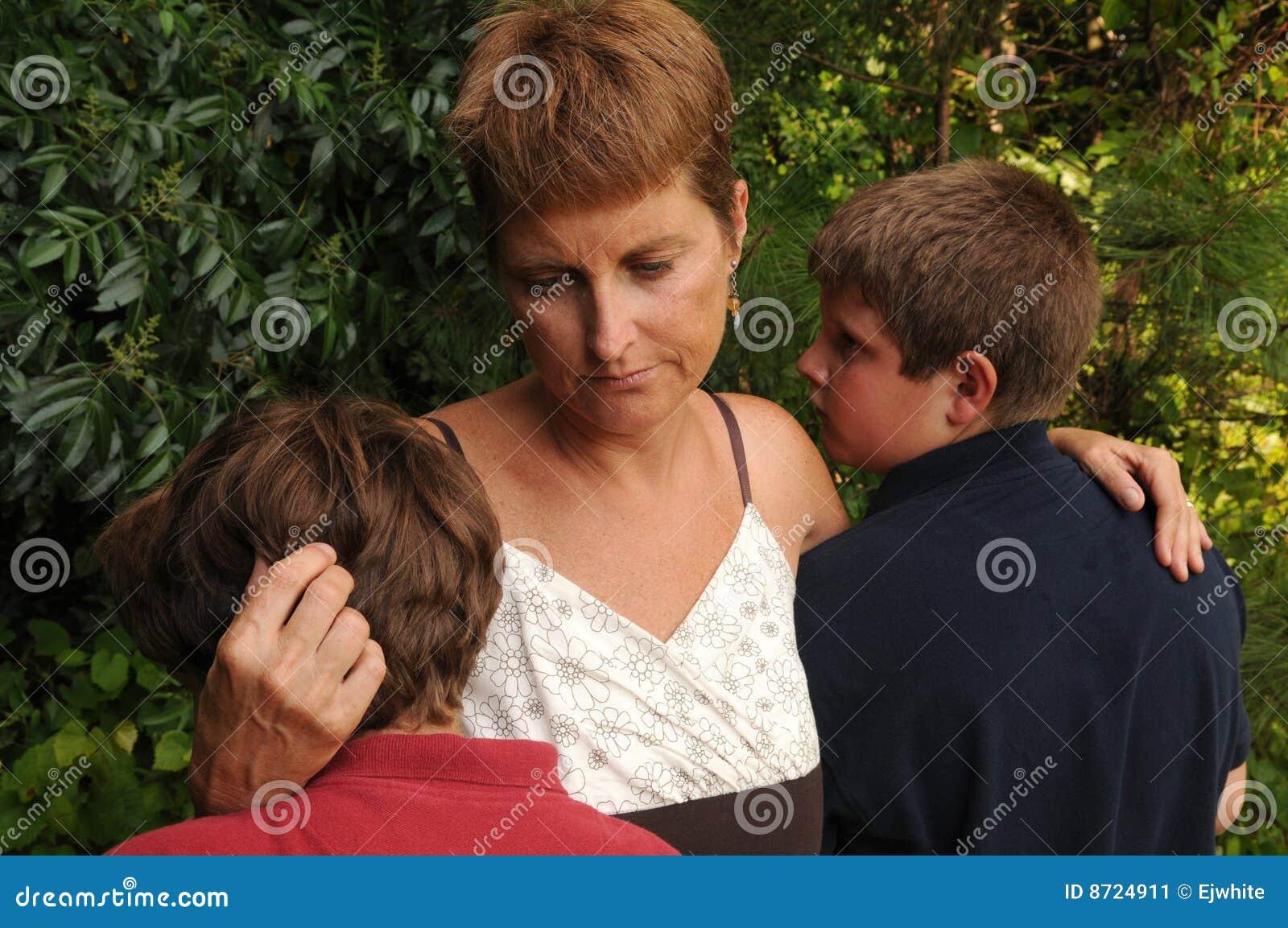 Jeunes tristes de famille