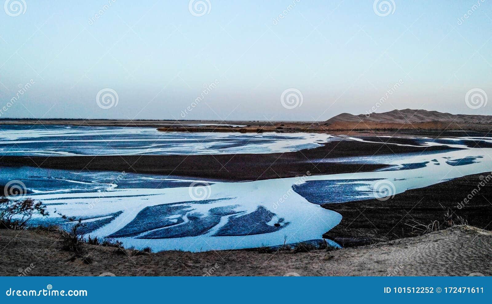 Jeziora w pustyni