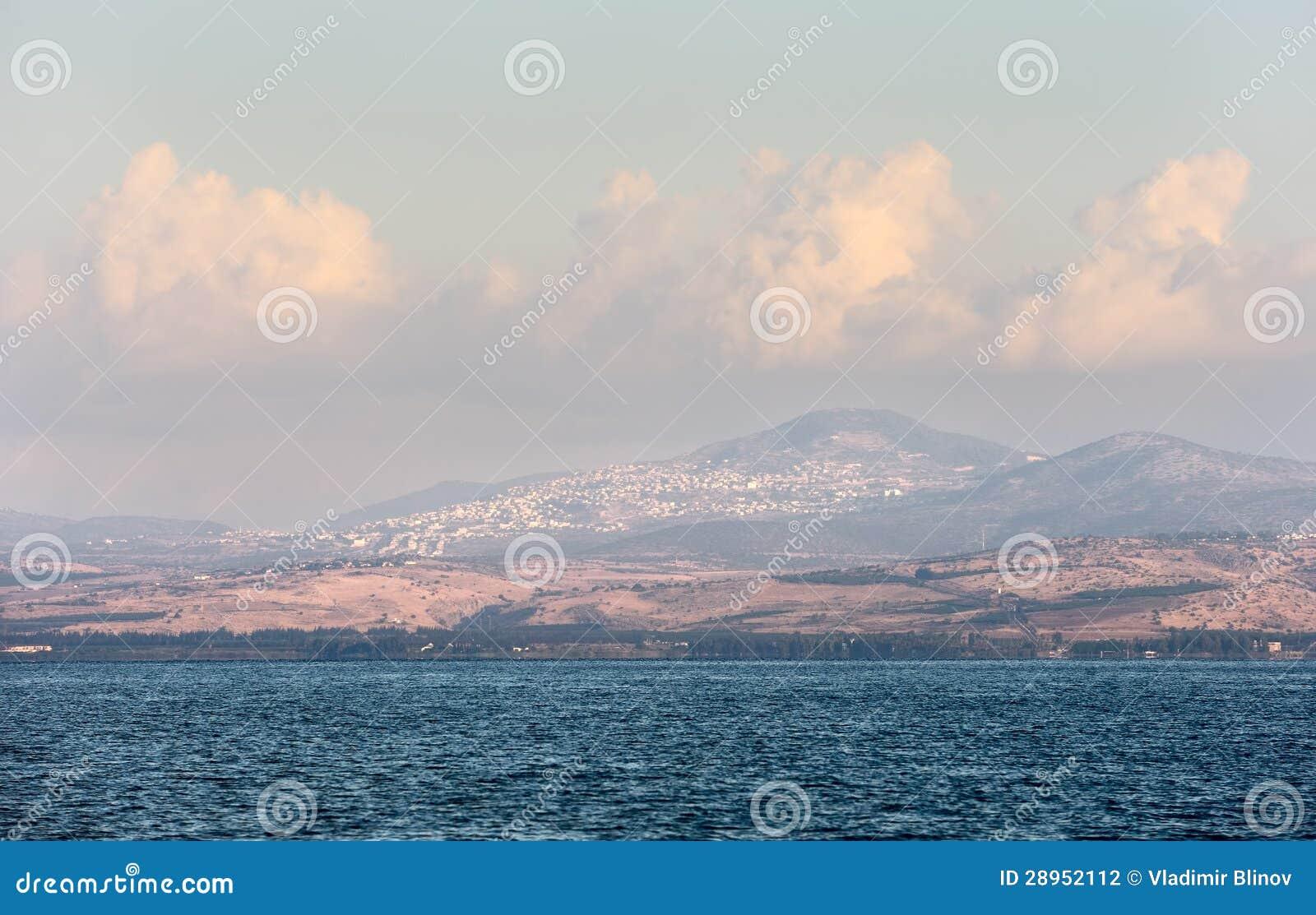 Jeziorny Kinneret przy świtem