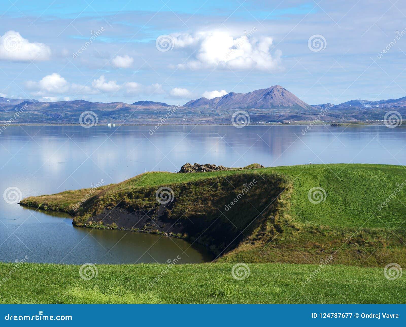 Jeziorny Myvatn, północny Iceland