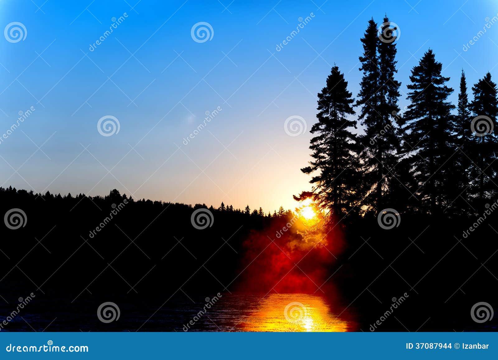 Download Jeziorny Wschód Słońca W Parc De Los Angeles Mauricie Zdjęcie Stock - Obraz złożonej z sunrise, półmrok: 37087944