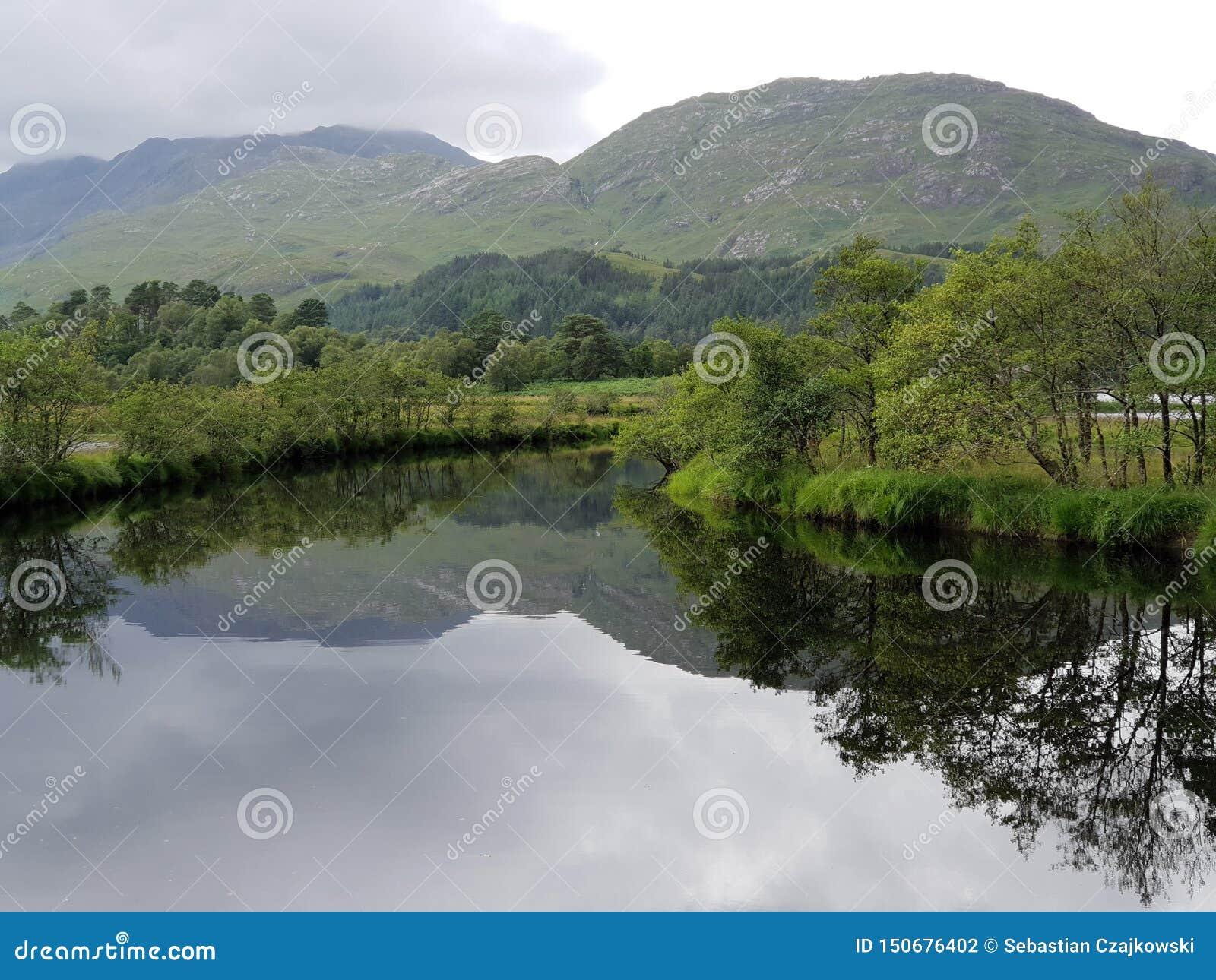 Jezioro i góra, natura glennfinnian