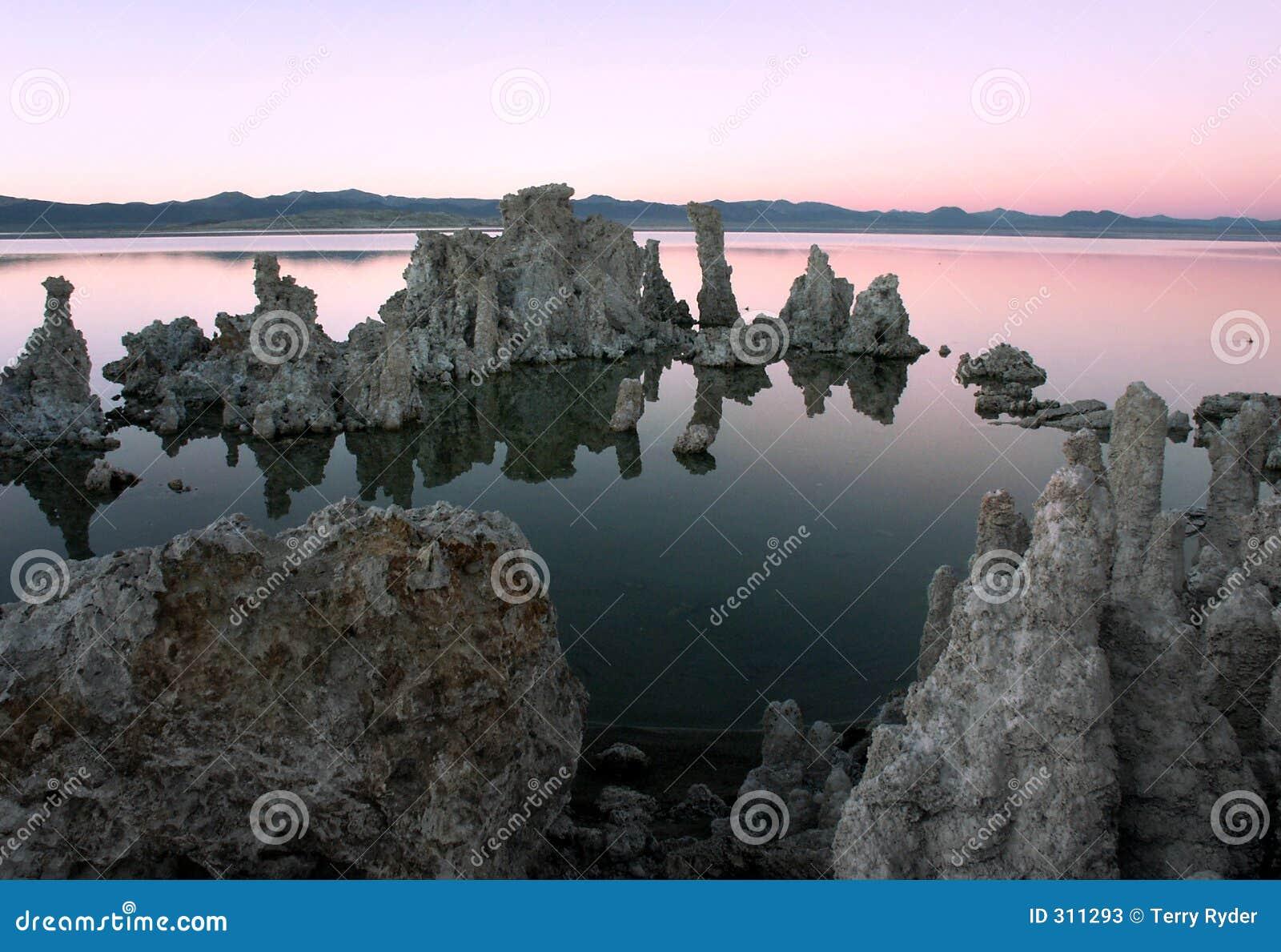 Jezioro mono - zachód słońca