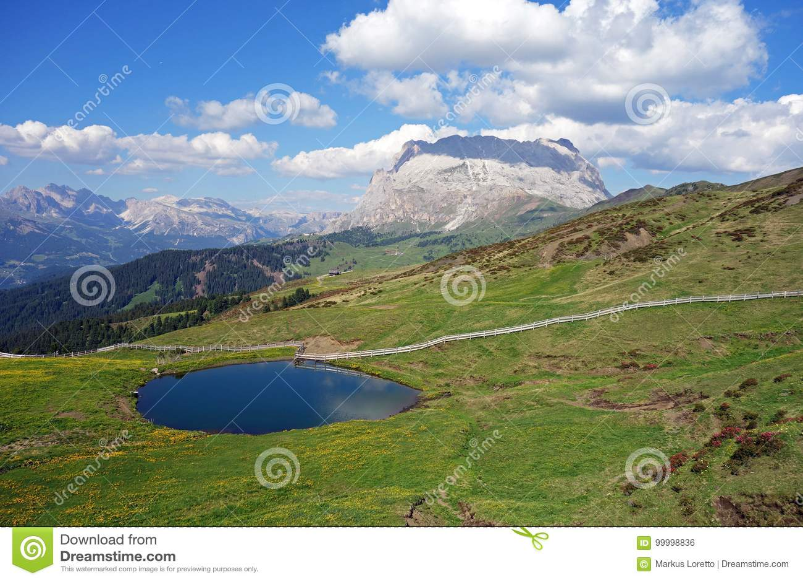 Jezioro, Seiser Alm Alpe Di Siusi, Południowy Tyrol, Włochy