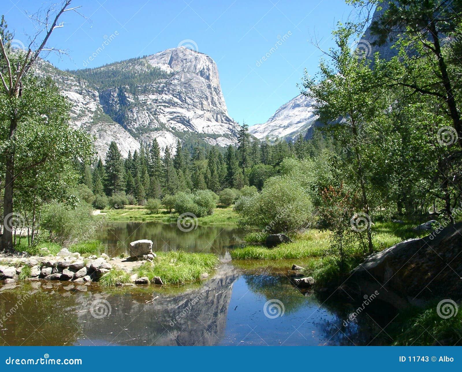 Jezioro Yosemite lustra